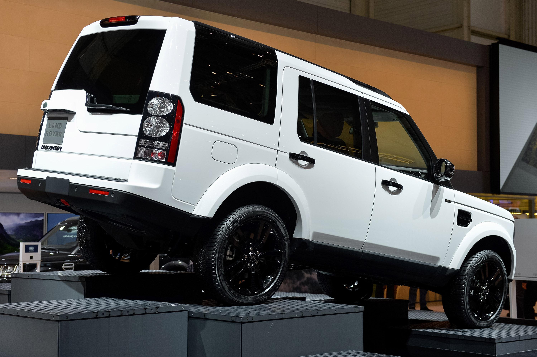 https://www.automobilesreview.com/gallery/land-rover-discovery-geneva-2014/land-rover-discovery-geneva-2014-02.jpg