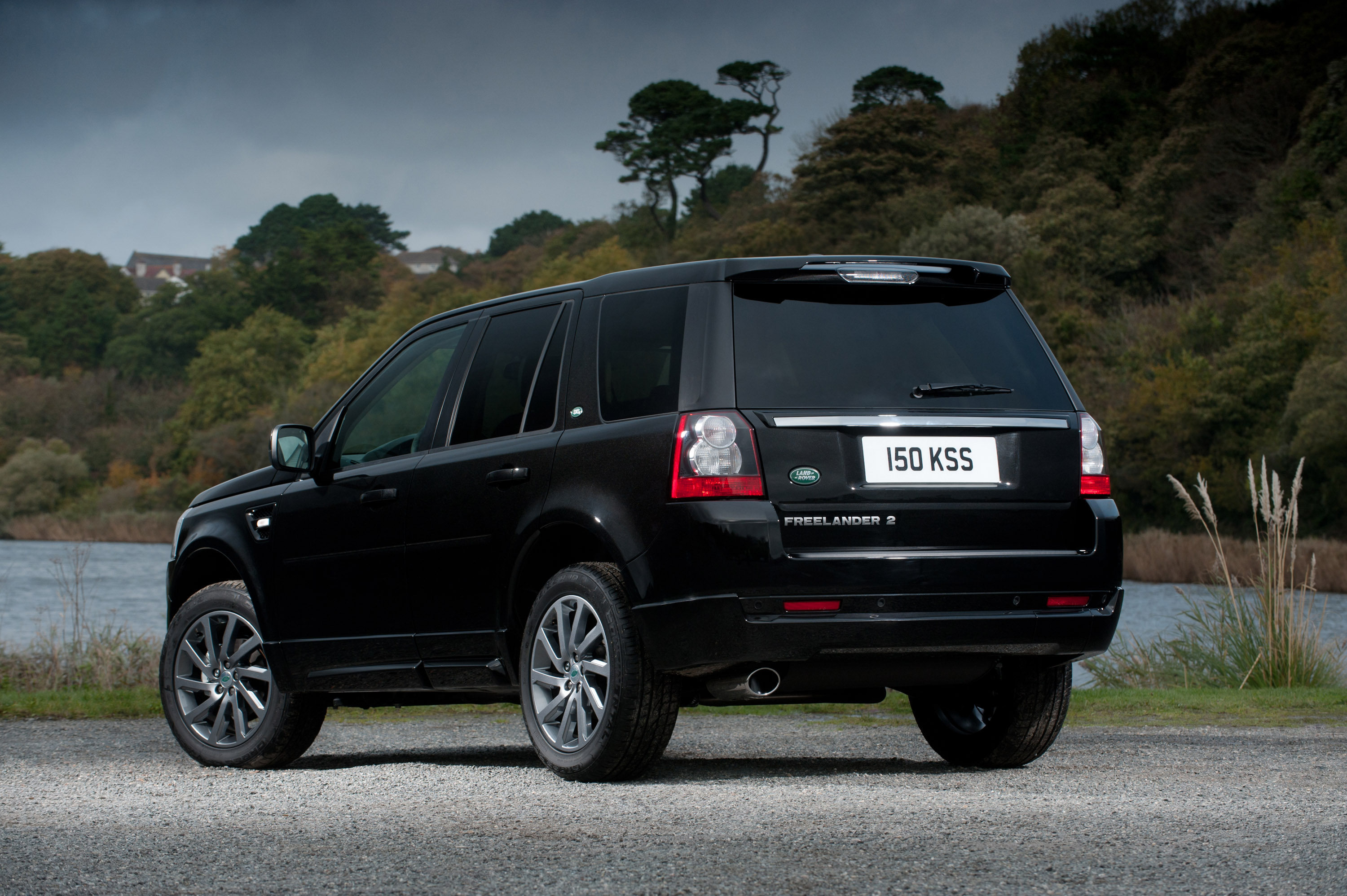 https://www.automobilesreview.com/gallery/land-rover-freelander-2-sd4-sport-limited-edition/land-rover-freelander-2-sd4-sport-limited-edition-07.jpg