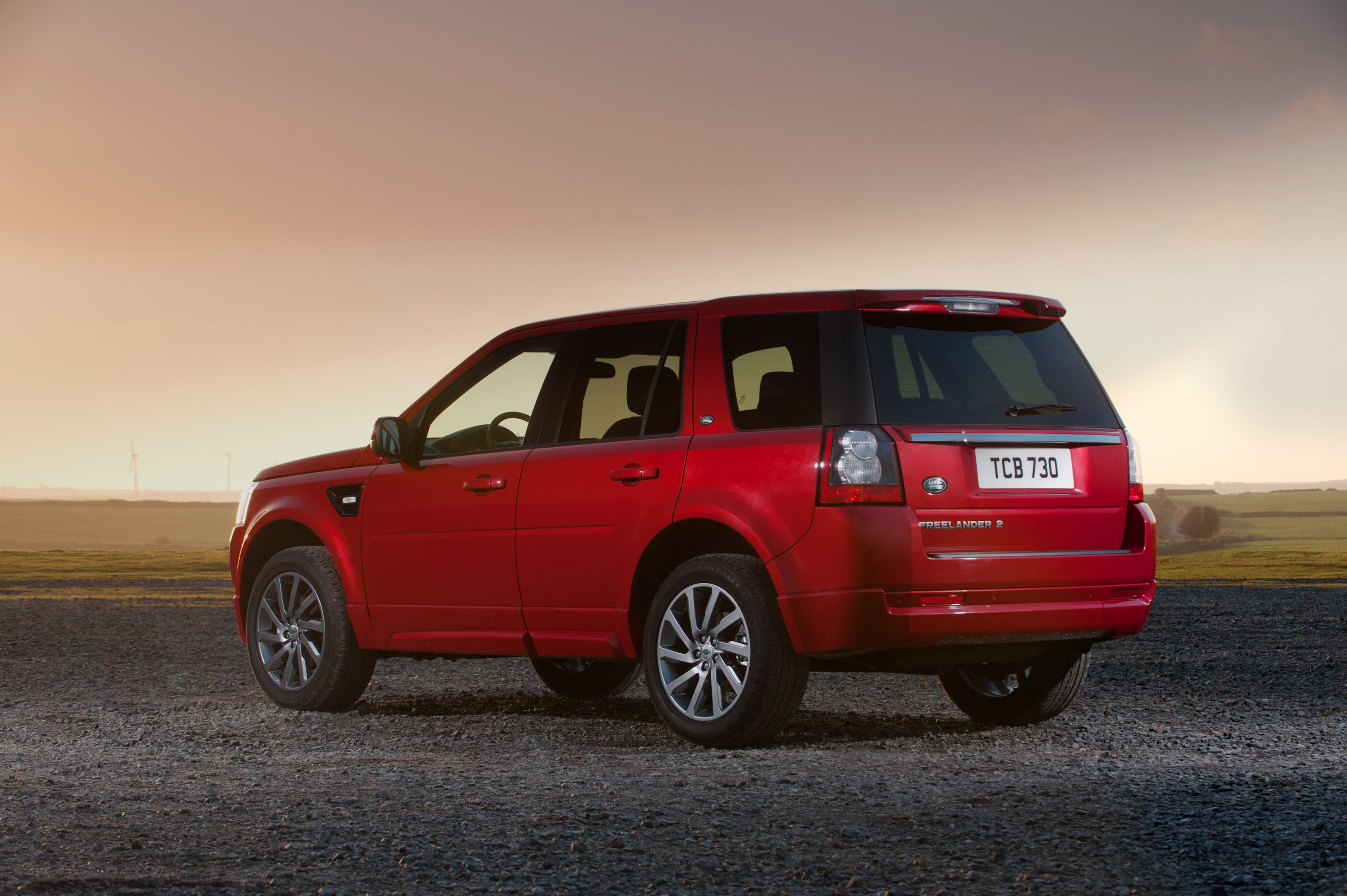 https://www.automobilesreview.com/gallery/land-rover-freelander-2-sd4-sport-limited-edition/land-rover-freelander-2-sd4-sport-limited-edition-13.jpg
