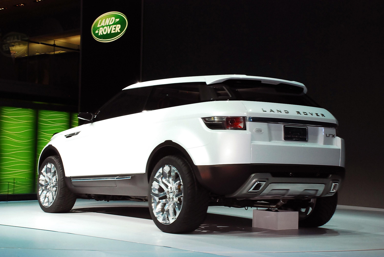 https://www.automobilesreview.com/gallery/land-rover-lrx-concept-detroit-2008/land-rover-lrx-concept-detroit-2008-09.jpg