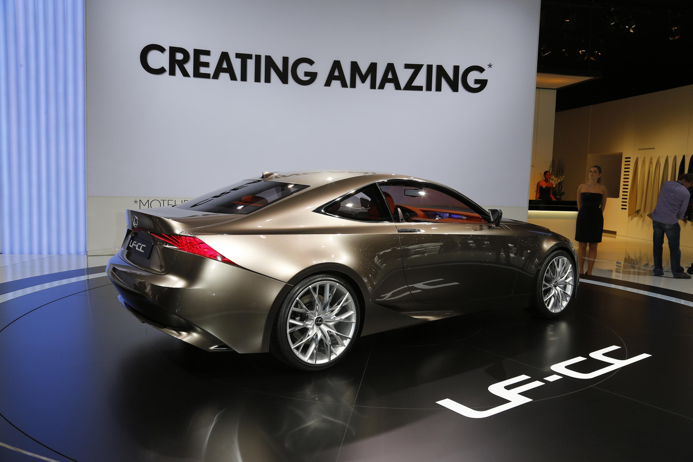 https://www.automobilesreview.com/gallery/lexus-lf-cc-paris-2012/lexus-lf-cc-paris-2012-06.jpg