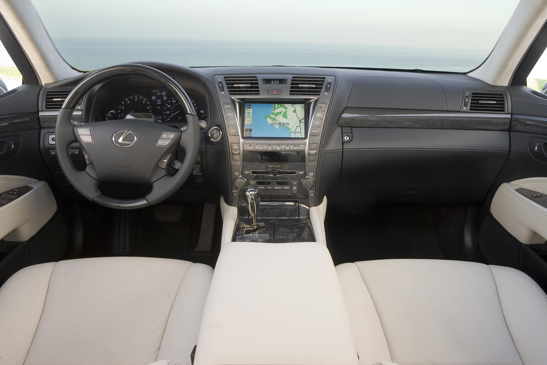 https://www.automobilesreview.com/gallery/lexus-ls600h-pebble-edition-2009/lexus-ls600h-pebble-edition-2009_06.jpg