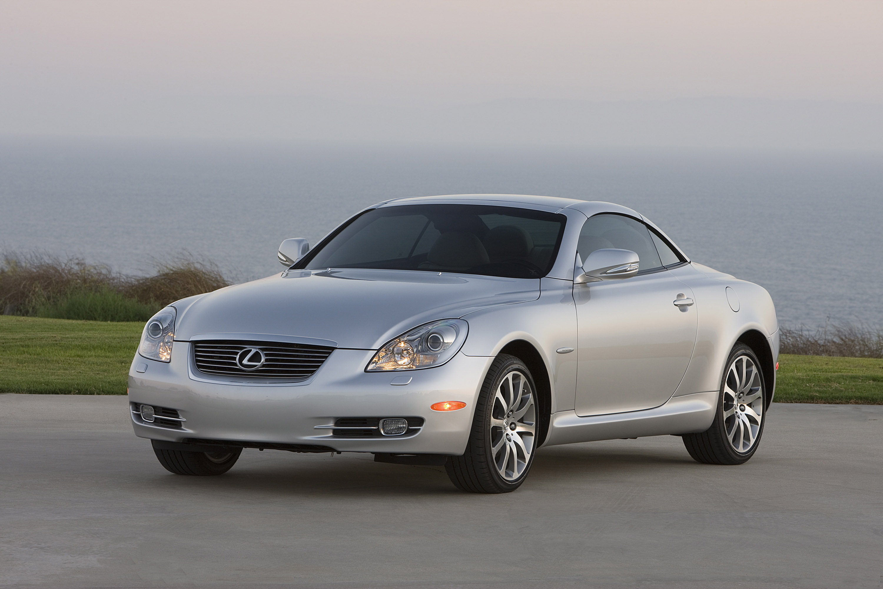 Lexus Introduces First-Ever Pebble Beach Edition LS 600h L