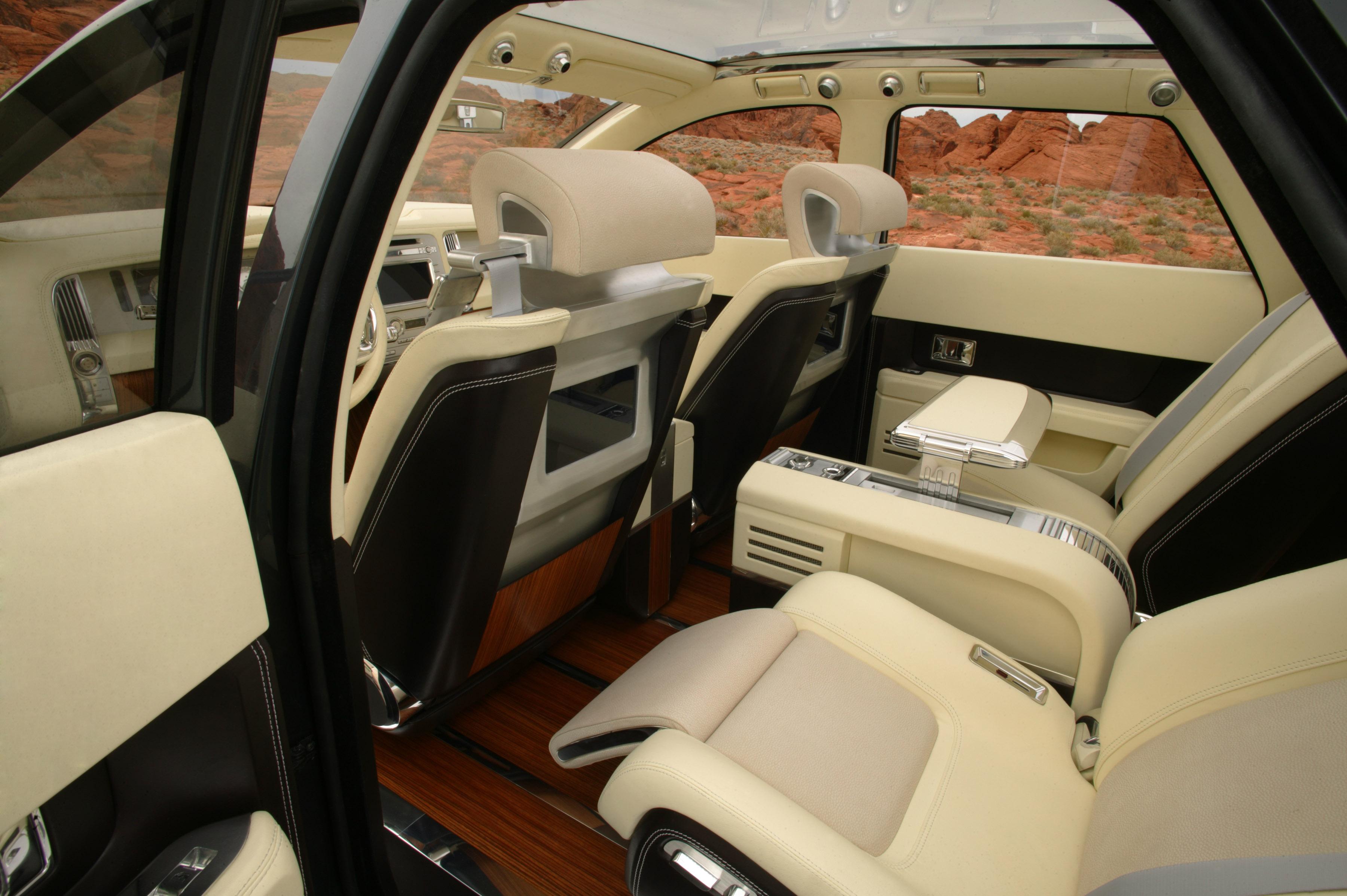 https://www.automobilesreview.com/gallery/lincoln-aviator-next-generation-concept/lincoln-aviator-concept-17.jpg