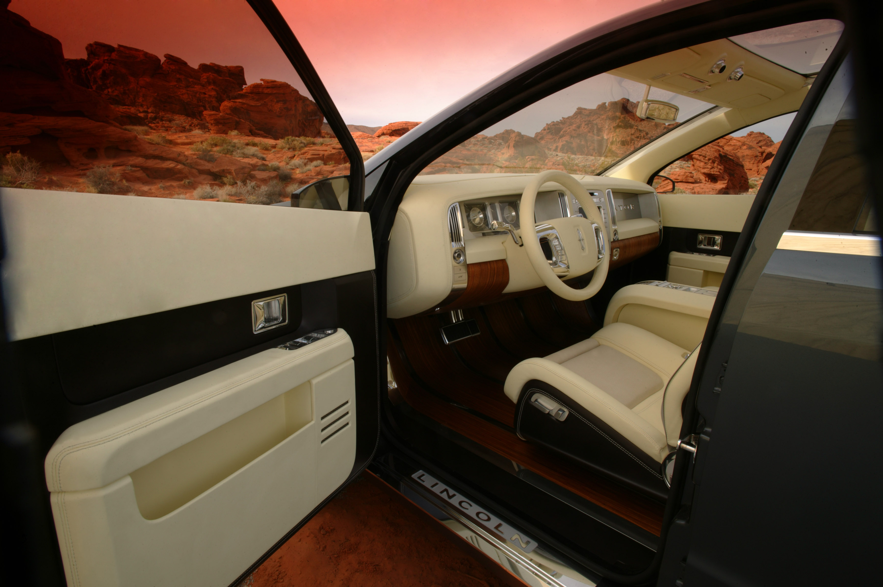 https://www.automobilesreview.com/gallery/lincoln-aviator-next-generation-concept/lincoln-aviator-concept-19.jpg