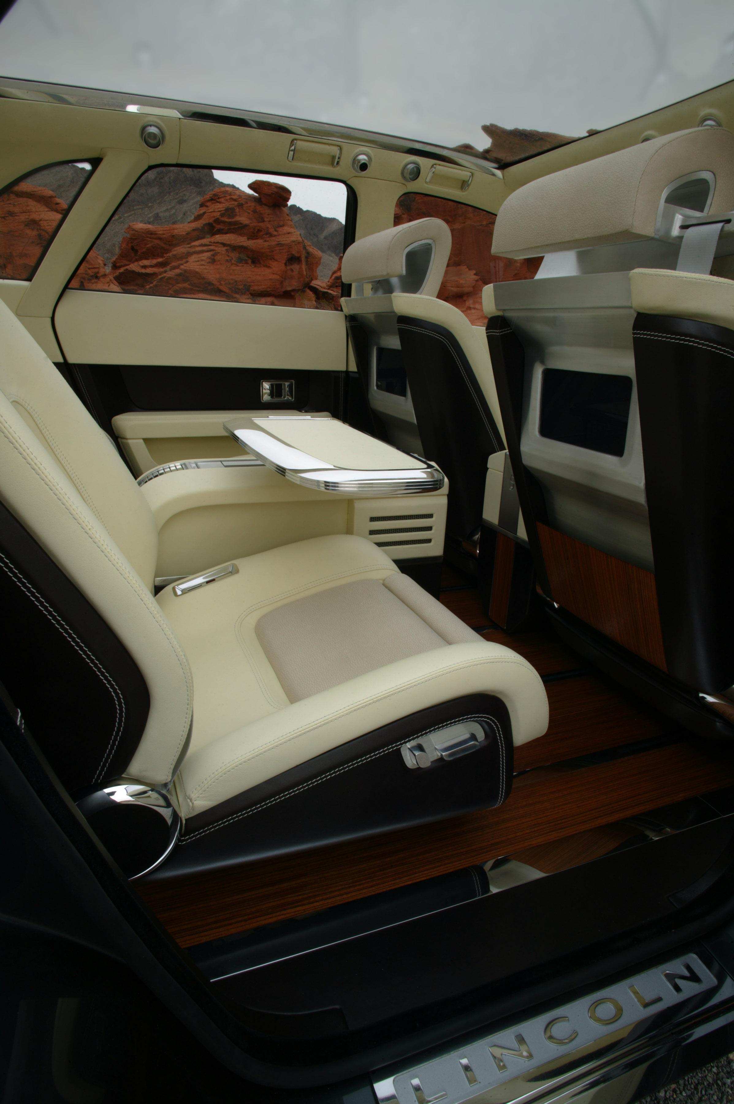 https://www.automobilesreview.com/gallery/lincoln-aviator-next-generation-concept/lincoln-aviator-concept-22.jpg