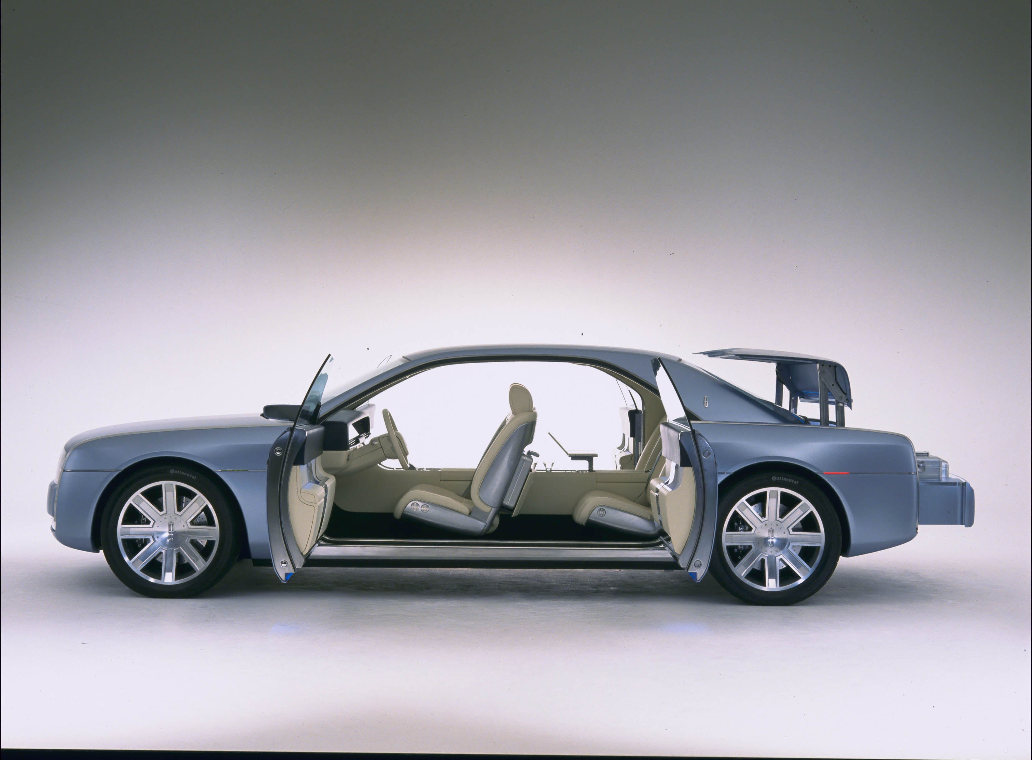 Lincoln Continental Concept Picture 7