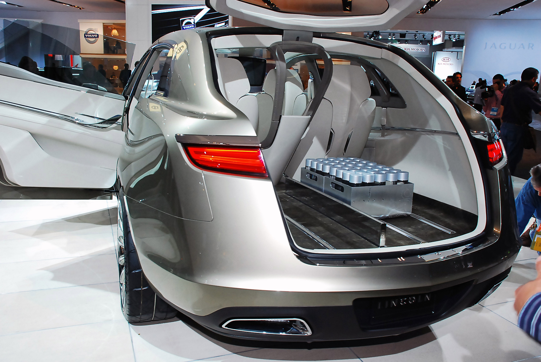 https://www.automobilesreview.com/gallery/lincoln-mkt-concept-detroit-2008/lincoln-mkt-concept-detroit-2008-04.jpg
