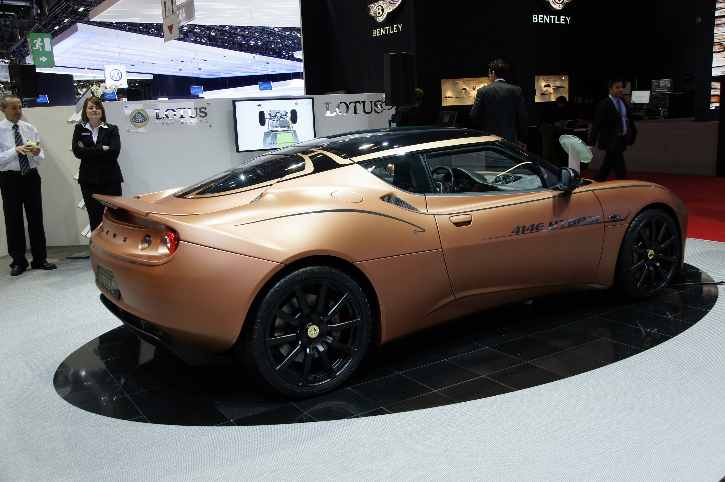 http://www.automobilesreview.com/gallery/lotus-evora-414e-hybrid-geneva-2010/lotus-evora-414e-hybrid-geneva-2010-02.jpg