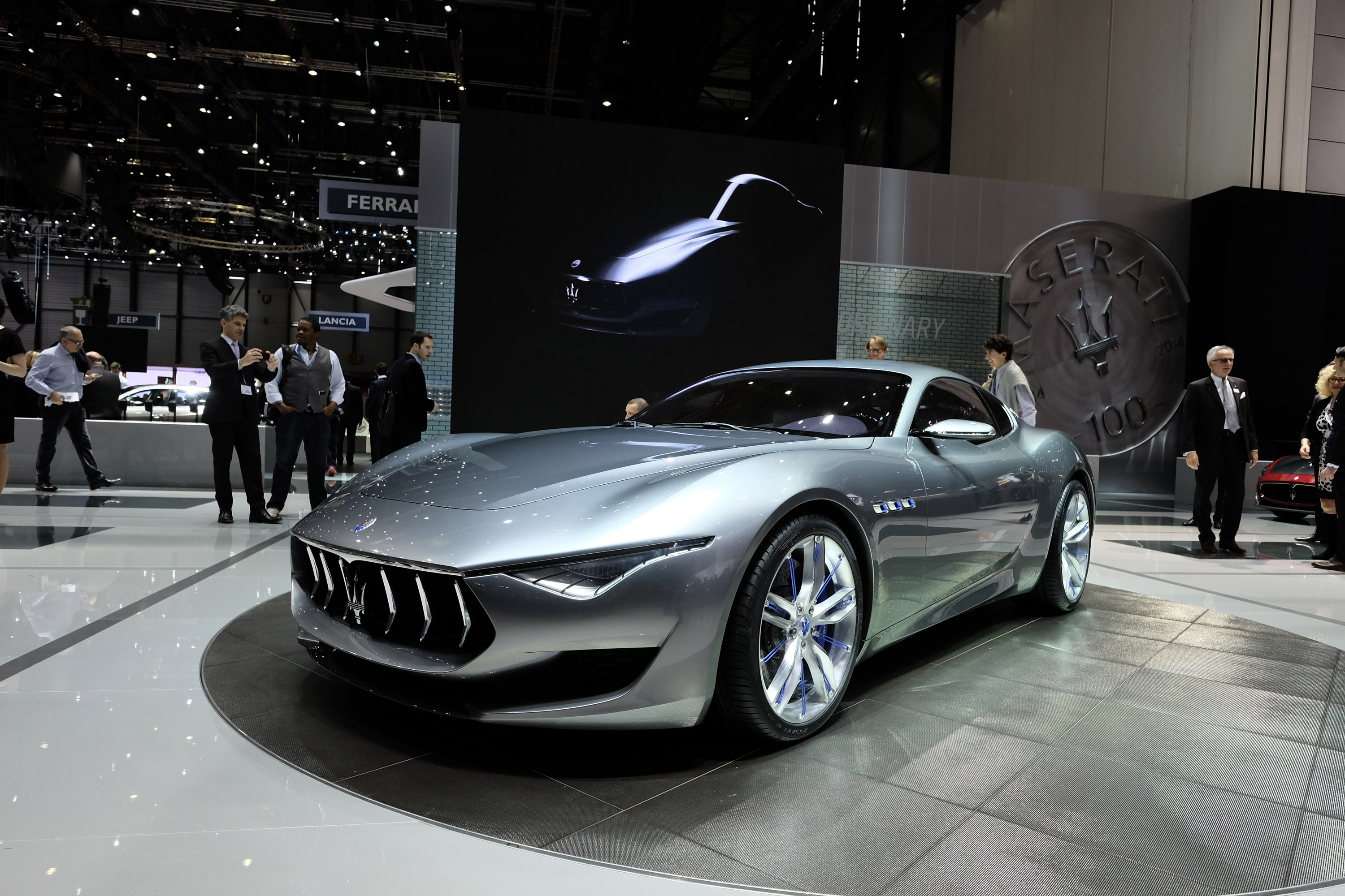 maserati quattroporte gts and ghibli get minor updates for l a auto show. Black Bedroom Furniture Sets. Home Design Ideas