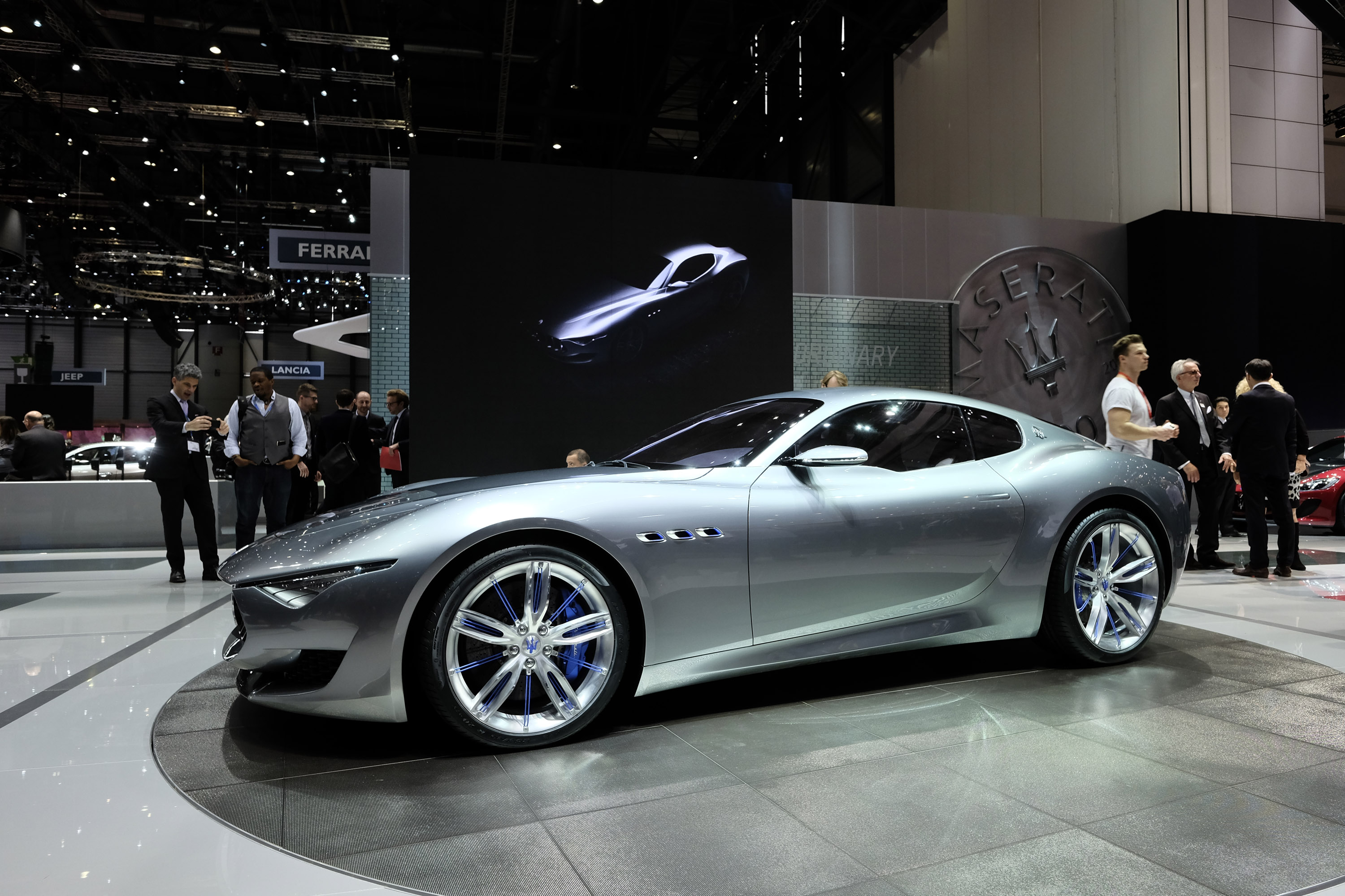 Car Paint Colors >> Maserati Quattroporte GTS and Ghibli get Minor Updates for ...