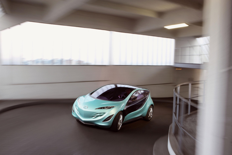 https://www.automobilesreview.com/gallery/mazda-kiyora-driving/mazda-kiyora-driving-01.jpg