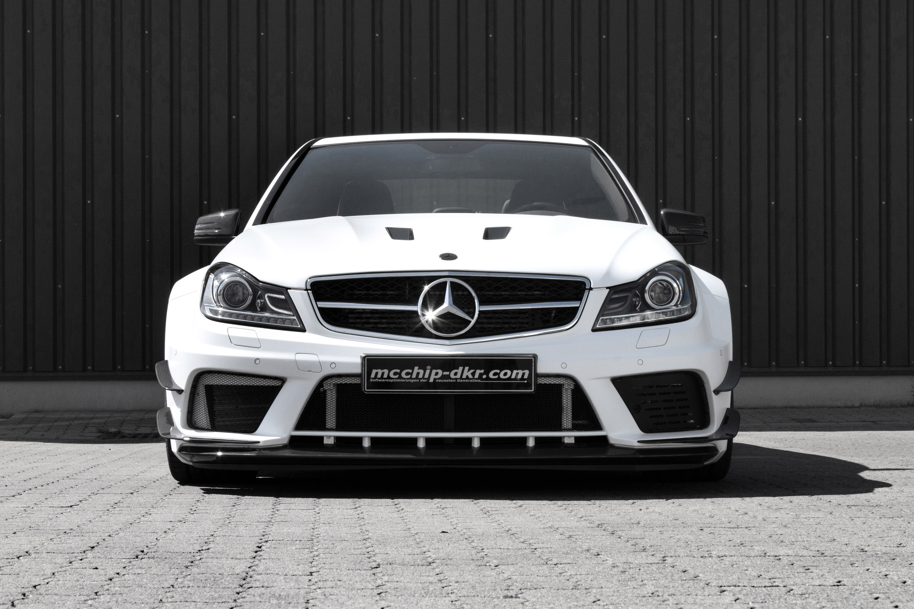 mcchip dkr mc8xx mercedes benz c63 amg. Black Bedroom Furniture Sets. Home Design Ideas