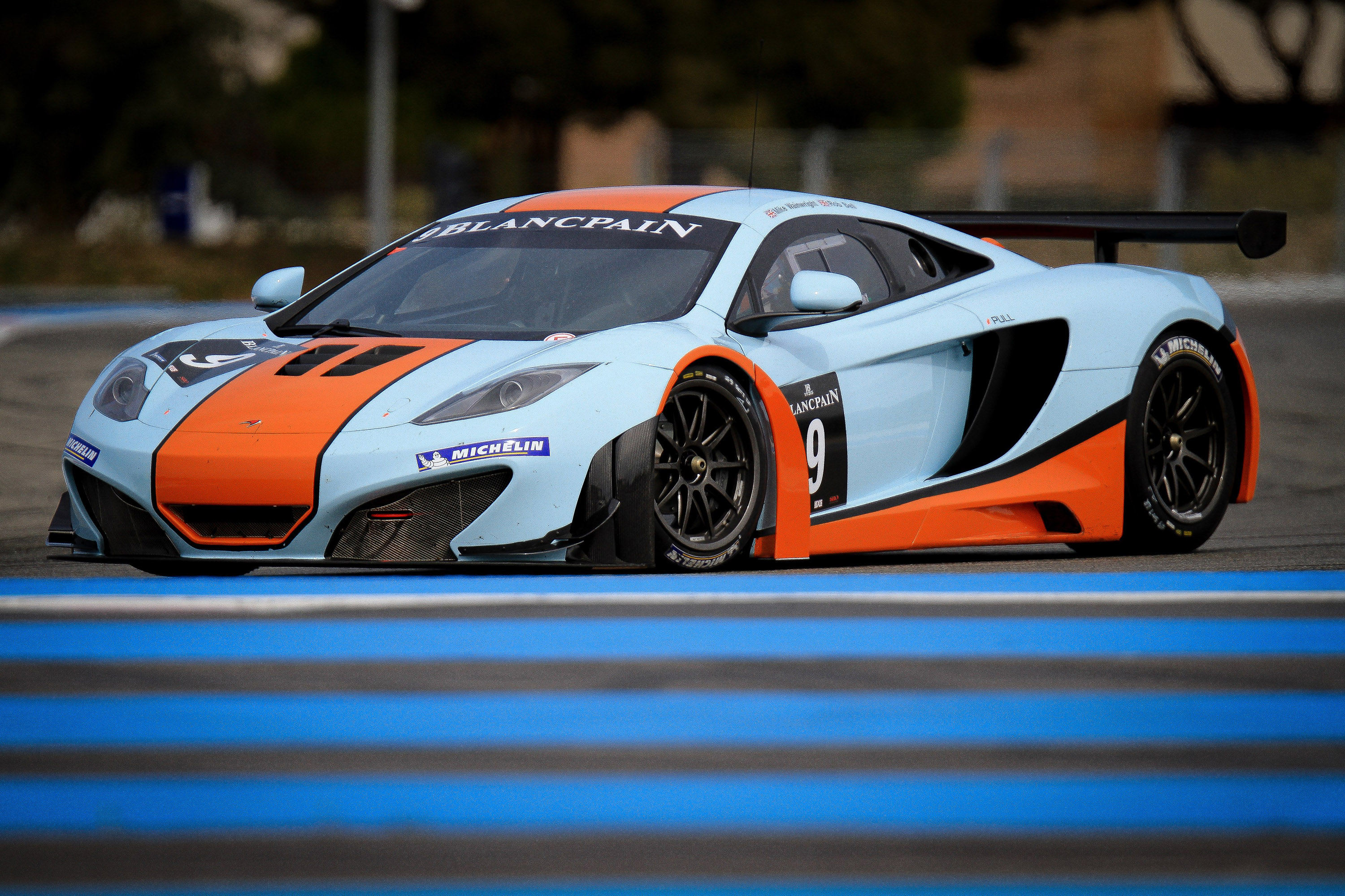 McLaren MP4-12C GT3 at the race track - Picture 67386