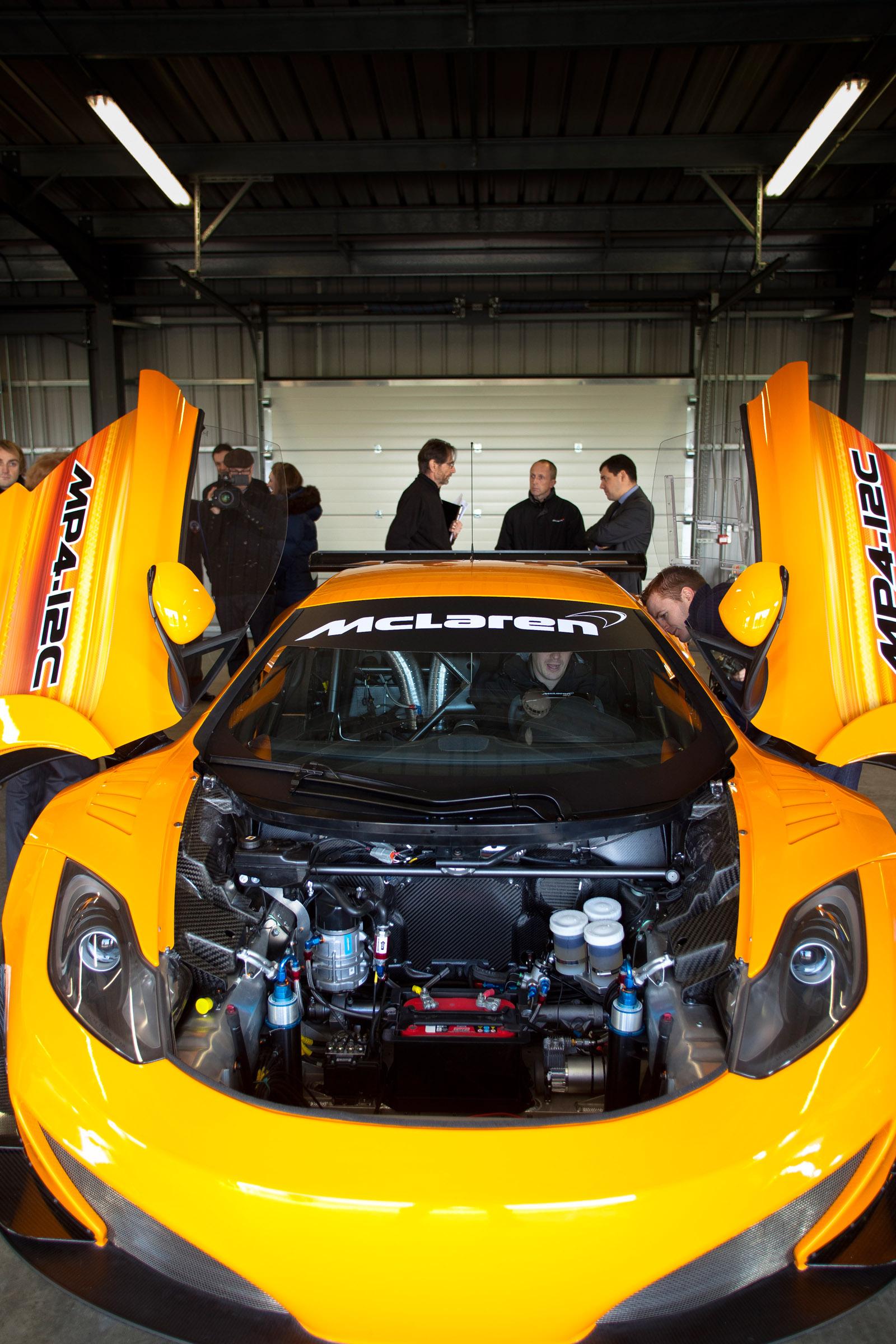 Limited Slip Differential >> McLaren MP4-12C GT3: full details