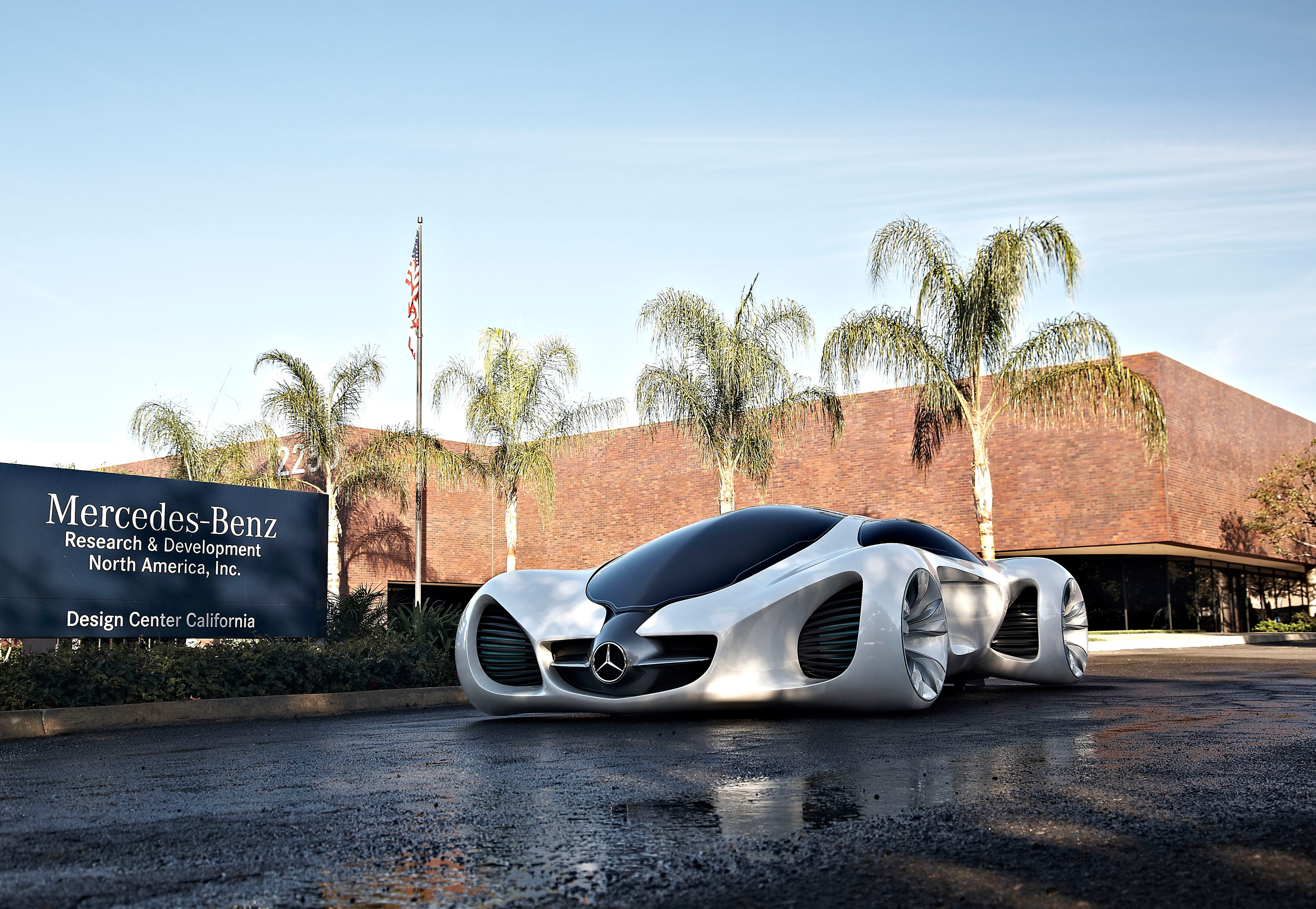 Mercedes benz biome is it alive for Mercedes benz biome cost