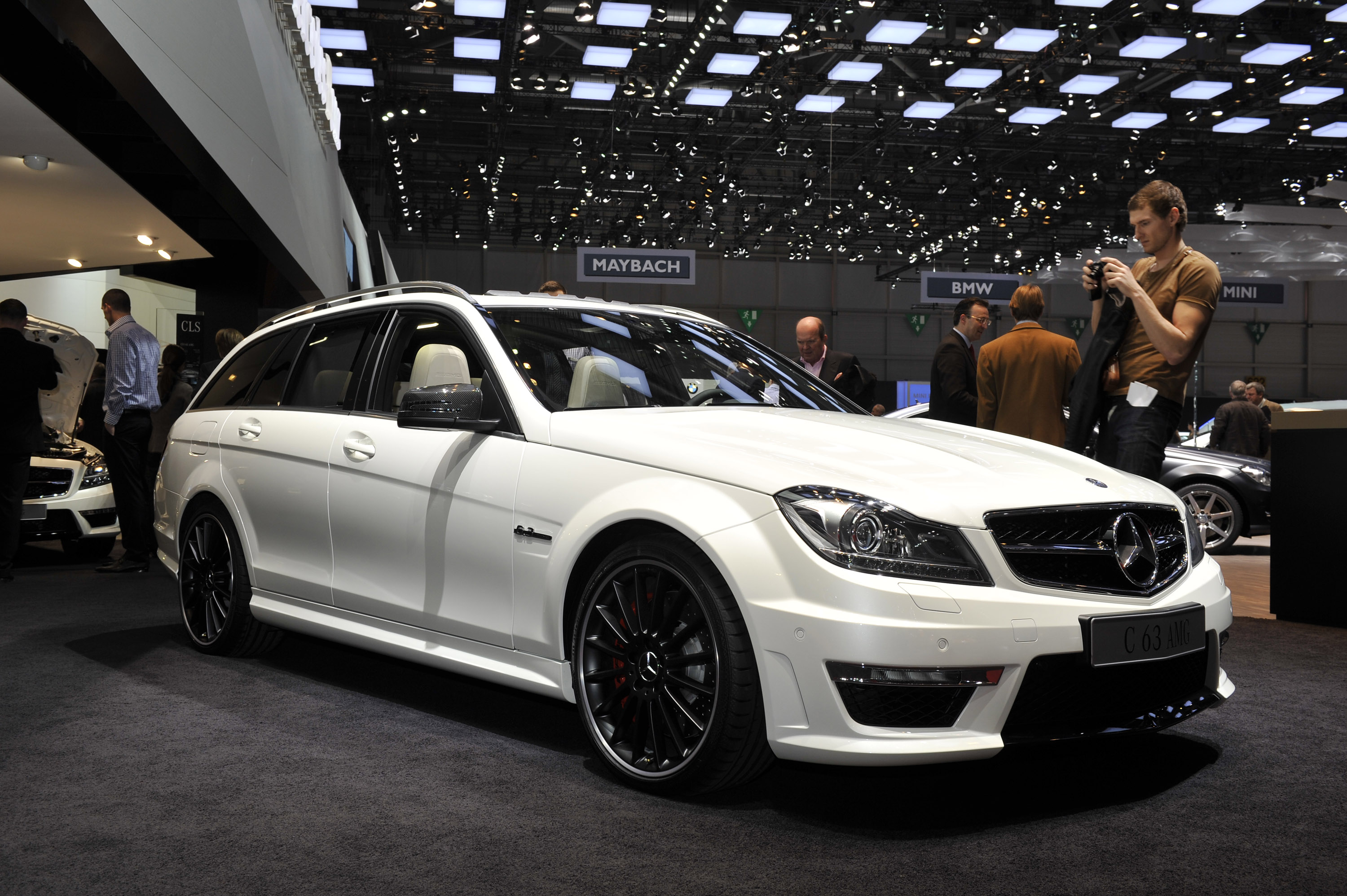 mercedes benz c63 amg estate geneva 2011 picture 50415. Black Bedroom Furniture Sets. Home Design Ideas