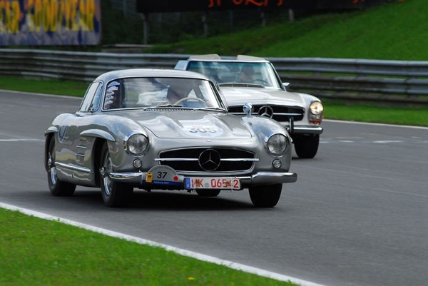 World s best classic cars on show at mercedes benz world for Mercedes benz best cars