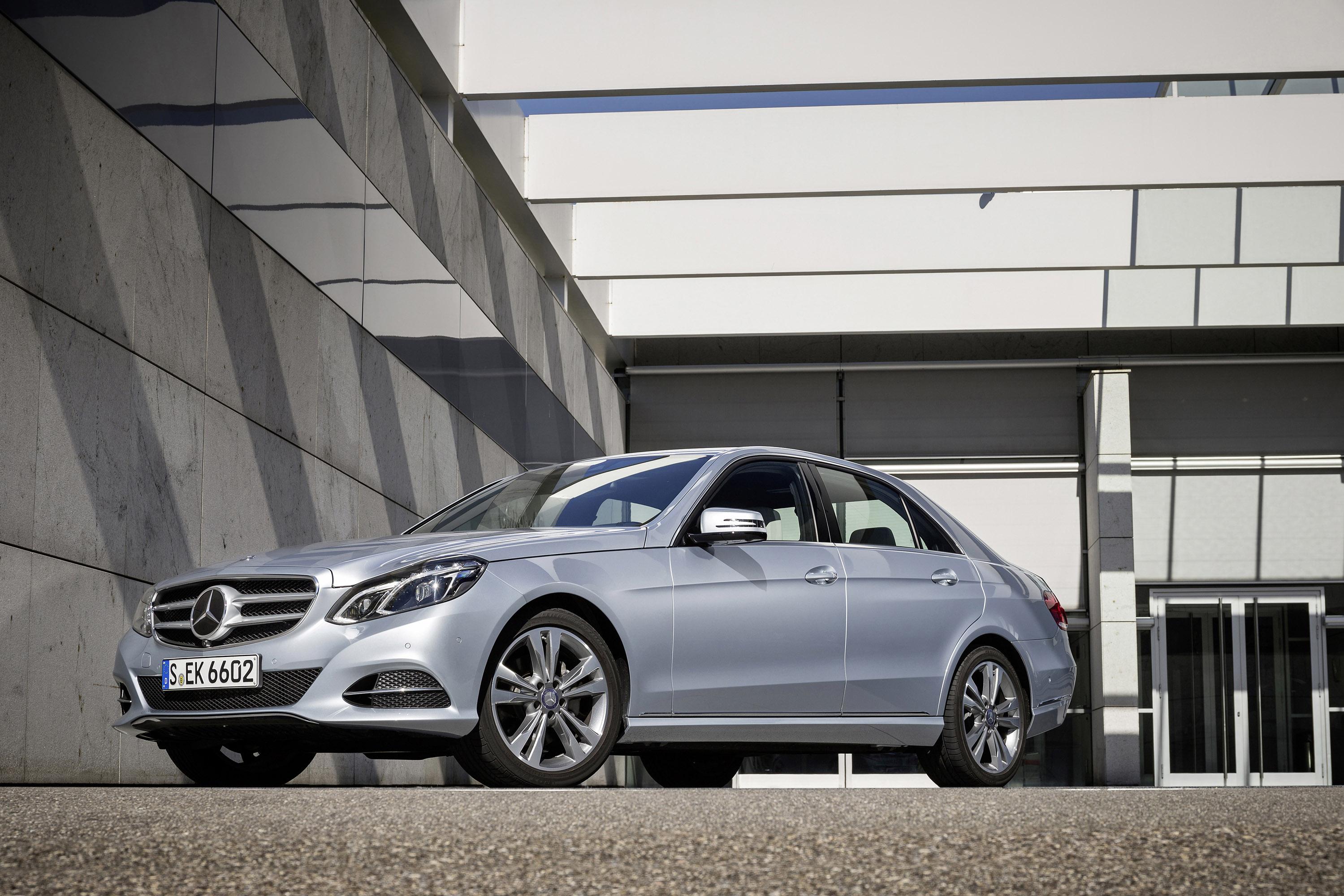 Mercedes benz e200 natural gas drive and e220 bluetec for Mercedes benz clase g
