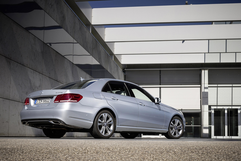 Mercedes-Benz E200 Natural Gas Drive And E220 BlueTEC