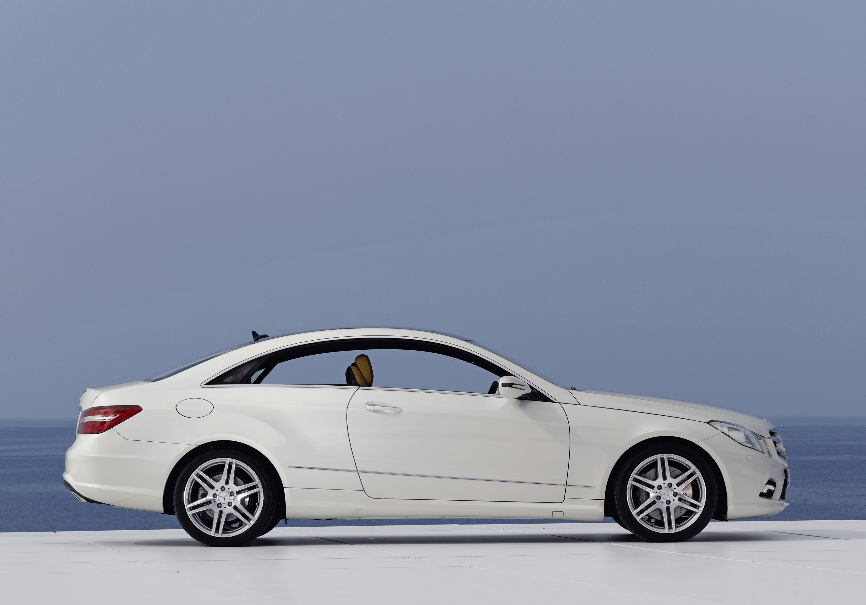 Mercedes Benz E500 Coupe With Amg Sports Pack Picture 13067