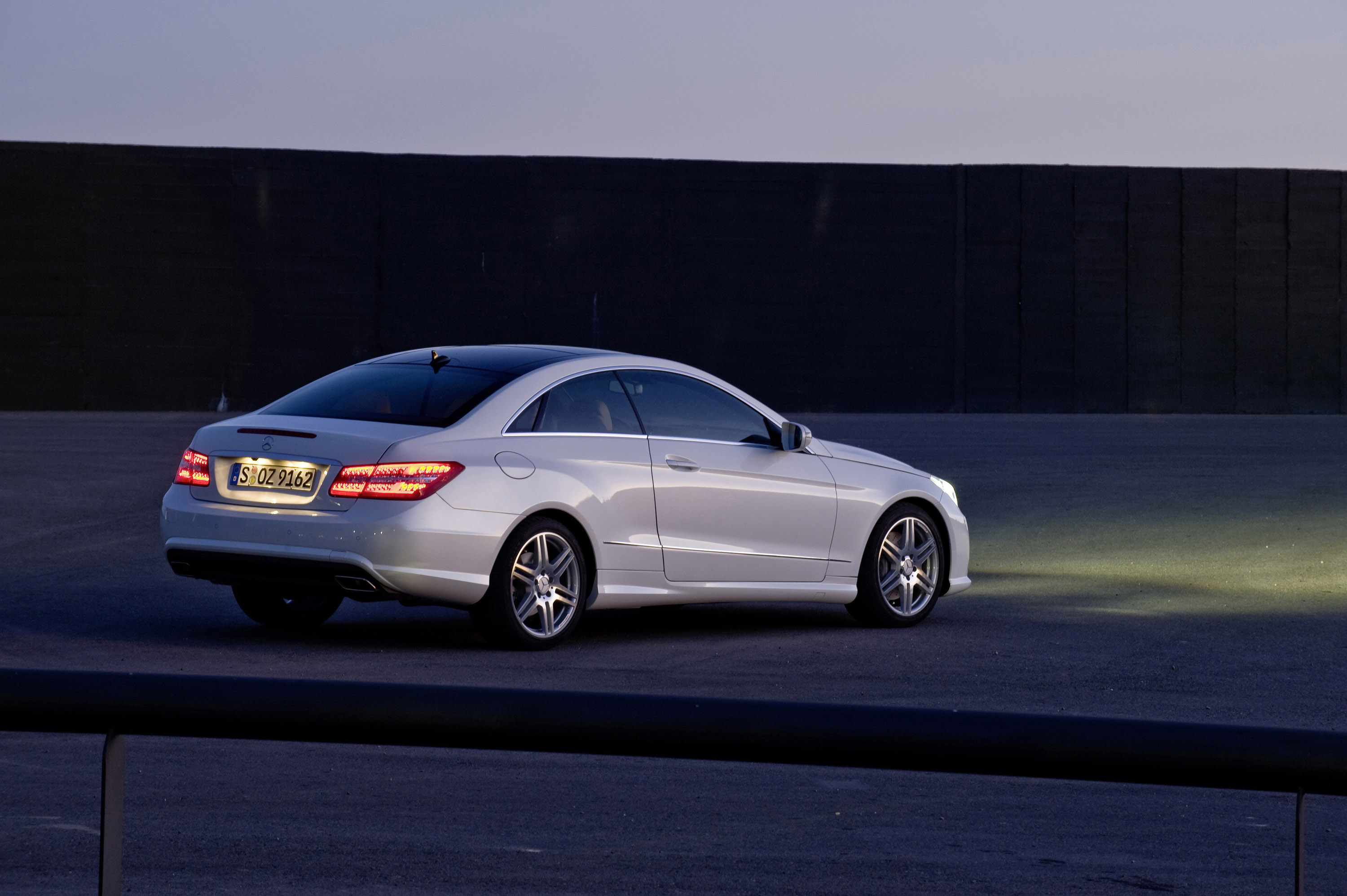 Mercedes Benz E500 Coupe With Amg Sports Pack Picture 13070