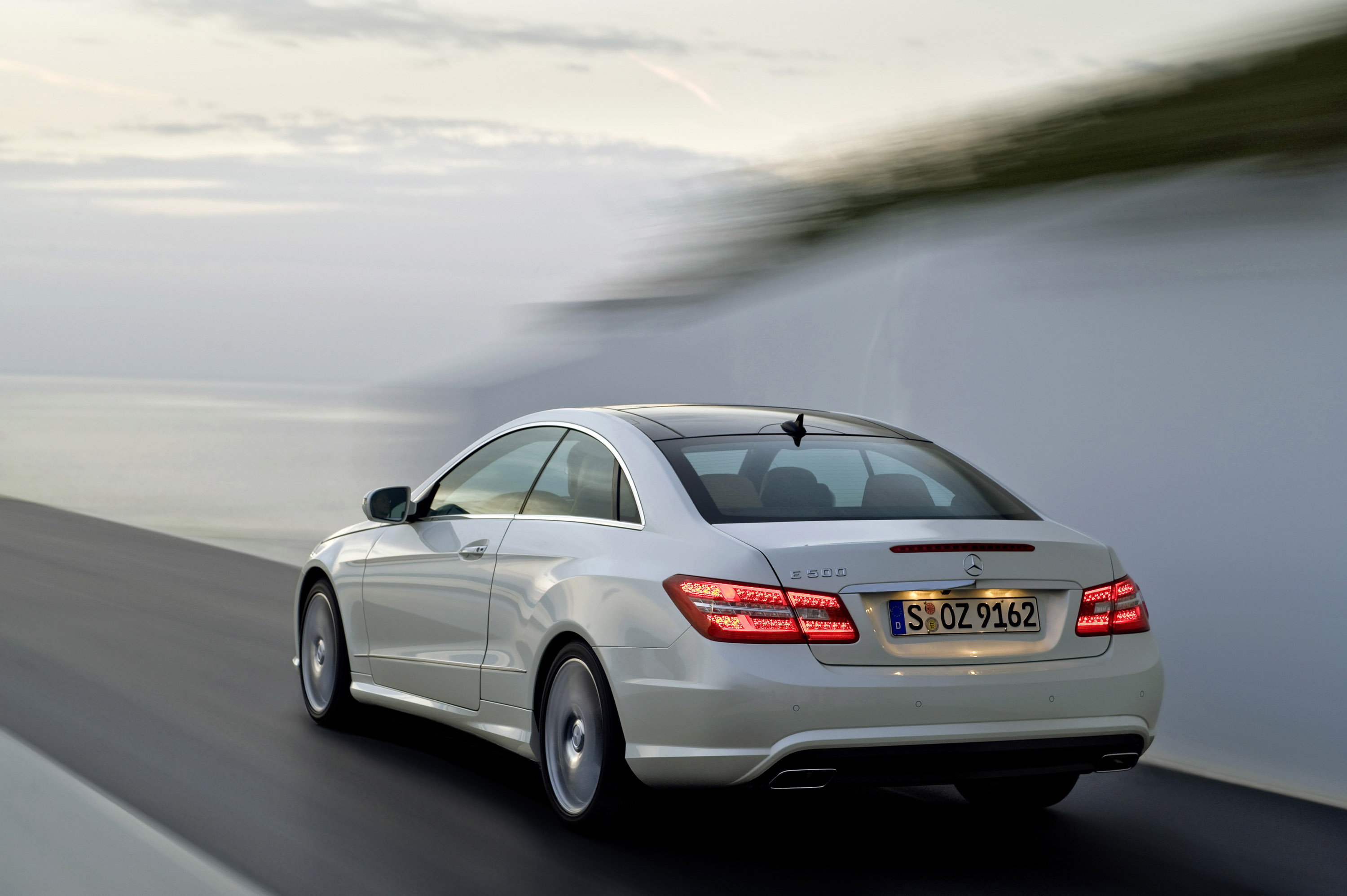 The new mercedes benz e class coupe for Mercedes benz design your own