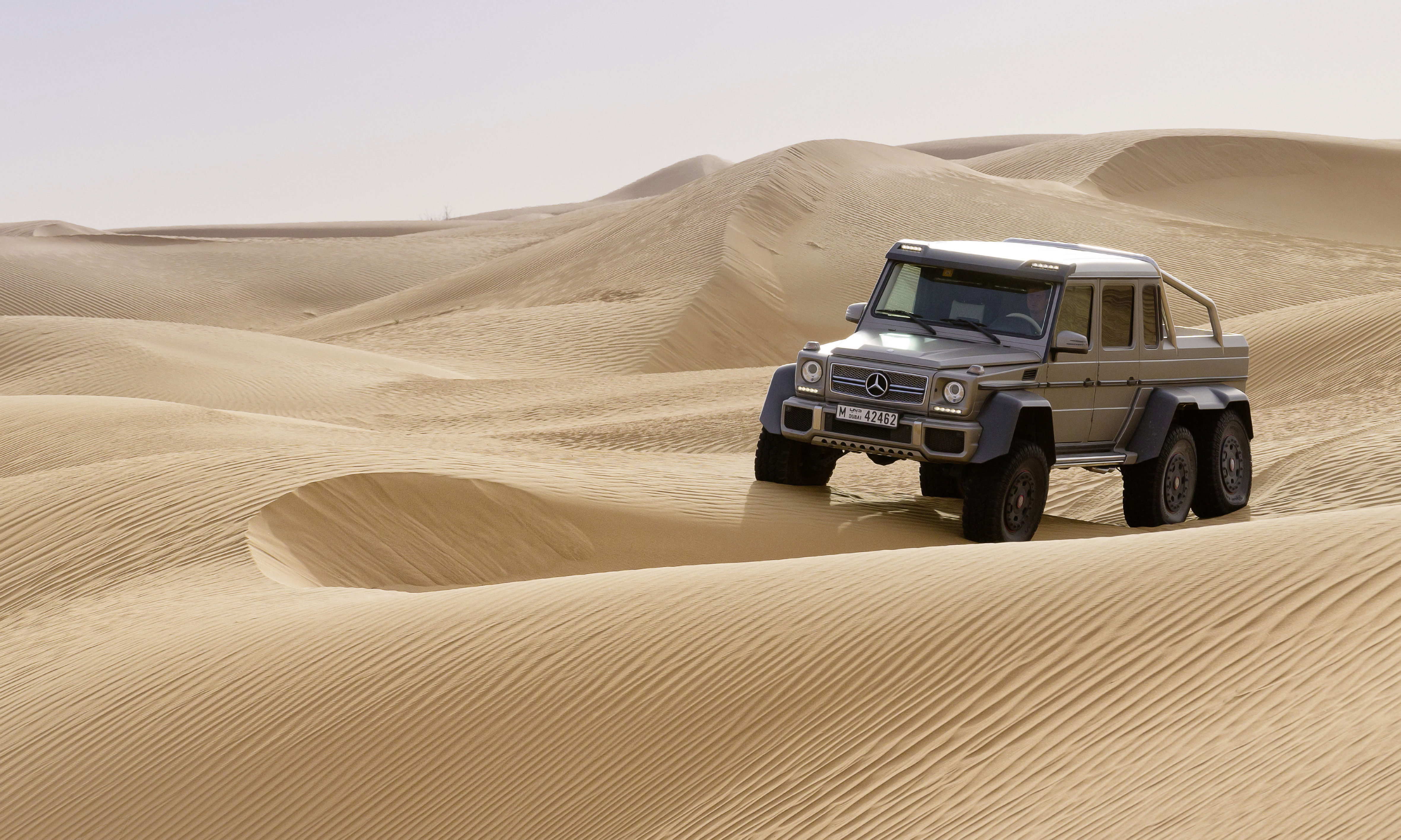 Mercedes benz g 63 amg 6x6 near series show vehicle for Mercedes benz g series