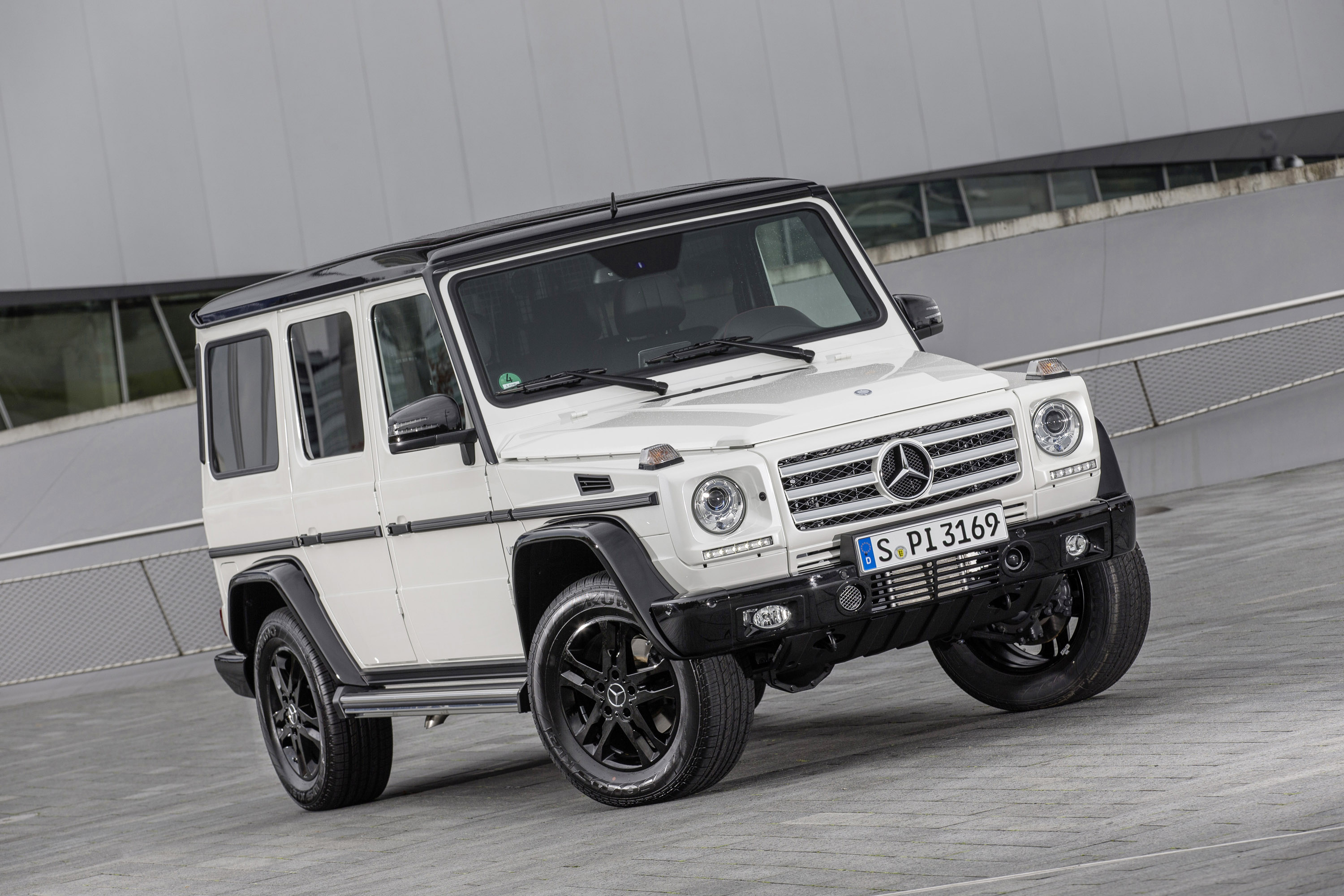 Mercedes benz g class celebrates 35 years with world for Mercedes benz of jackson
