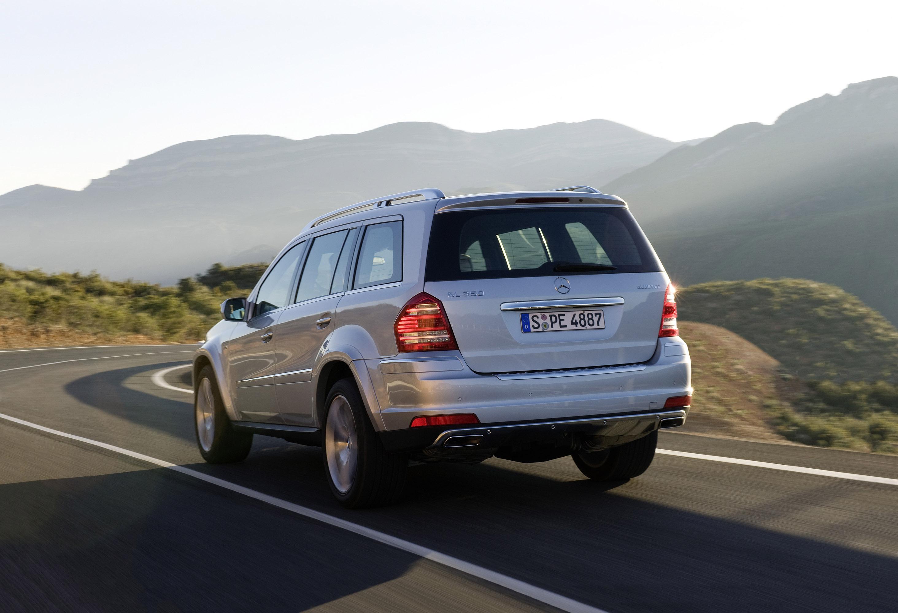 Ac cobra 2011 hd pictures automobilesreview for Mercedes benz gl bluetec review