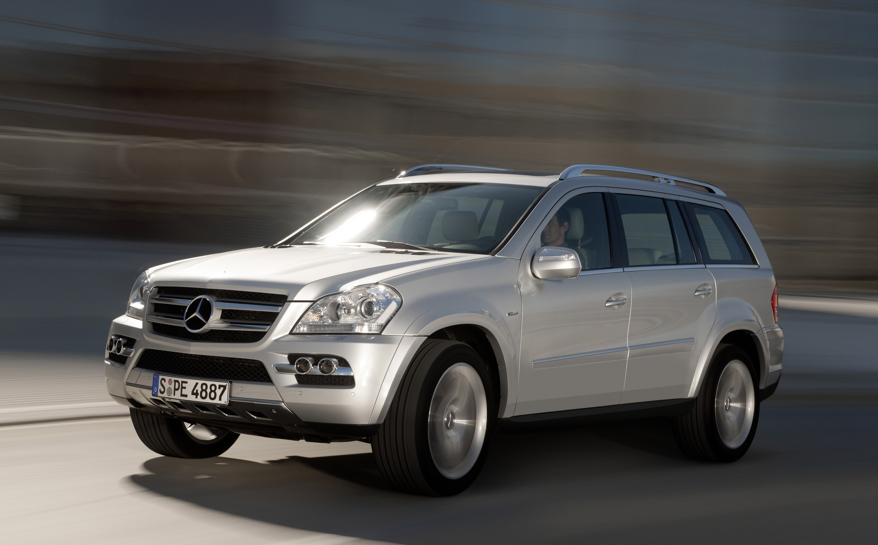Image gallery 2008 mercedes gl350 for Mercedes benz gl450 reviews