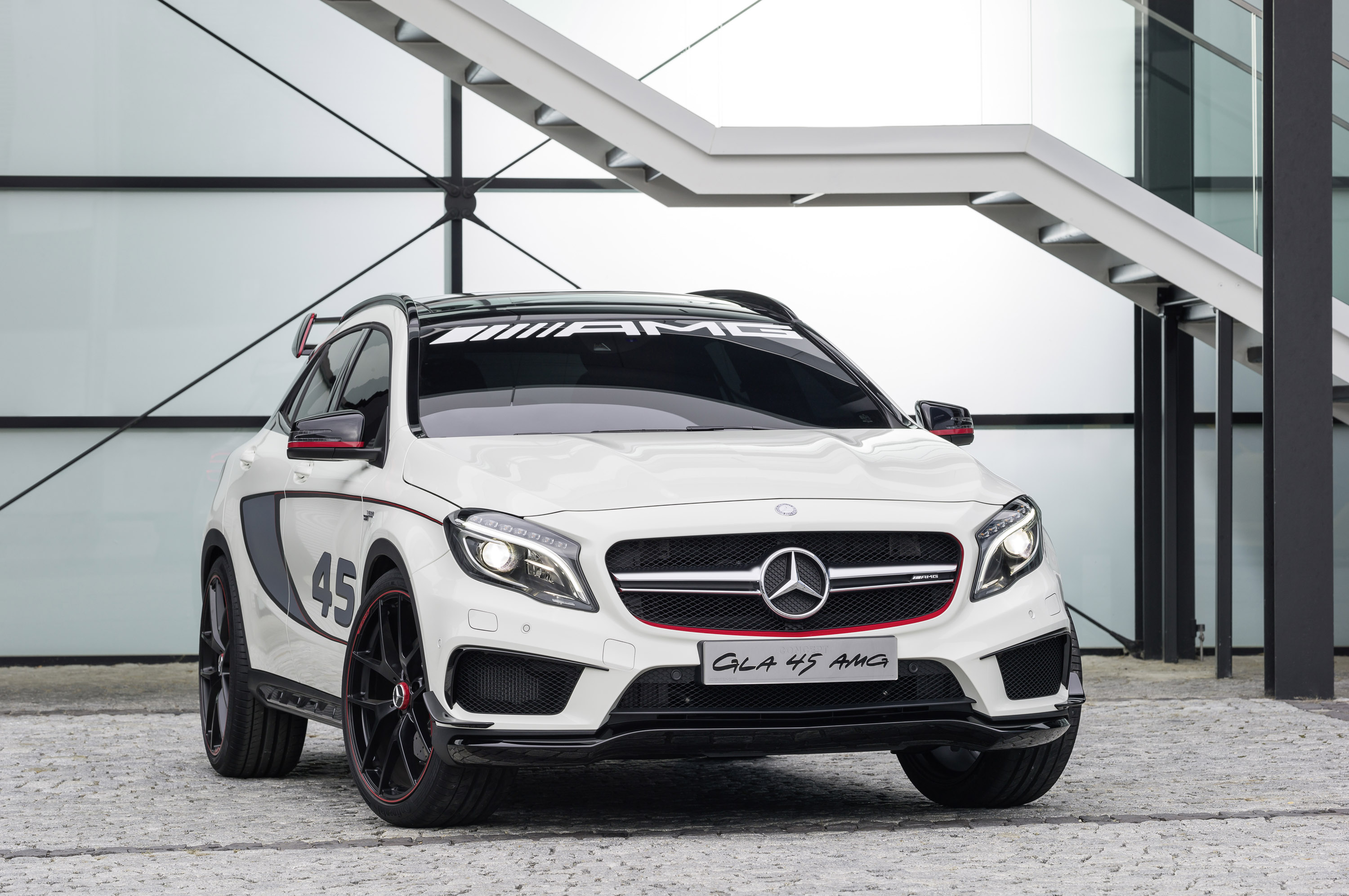 most powerful 4 cylinder engine with mercedes benz gla 45 amg concept. Black Bedroom Furniture Sets. Home Design Ideas