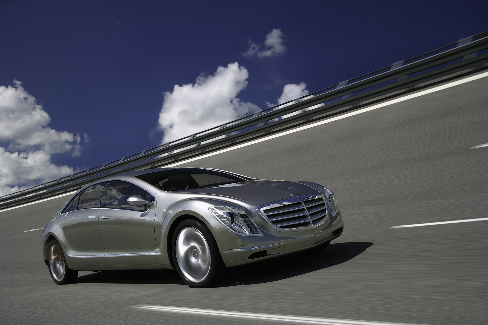 Mercedes Benz F 700 Road To The Future Picture 32783