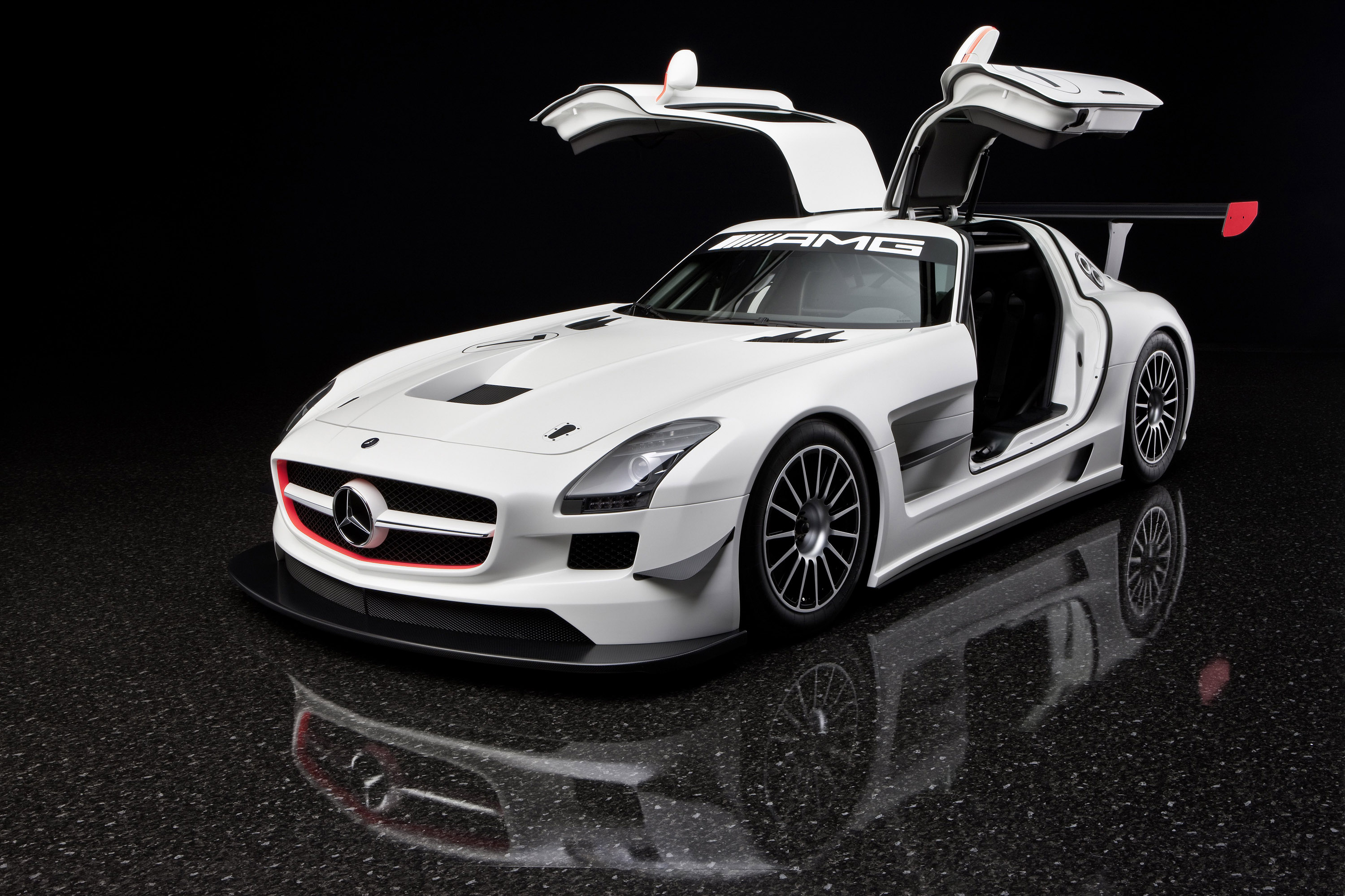 close look on mercedes benz sls amg gt3. Black Bedroom Furniture Sets. Home Design Ideas