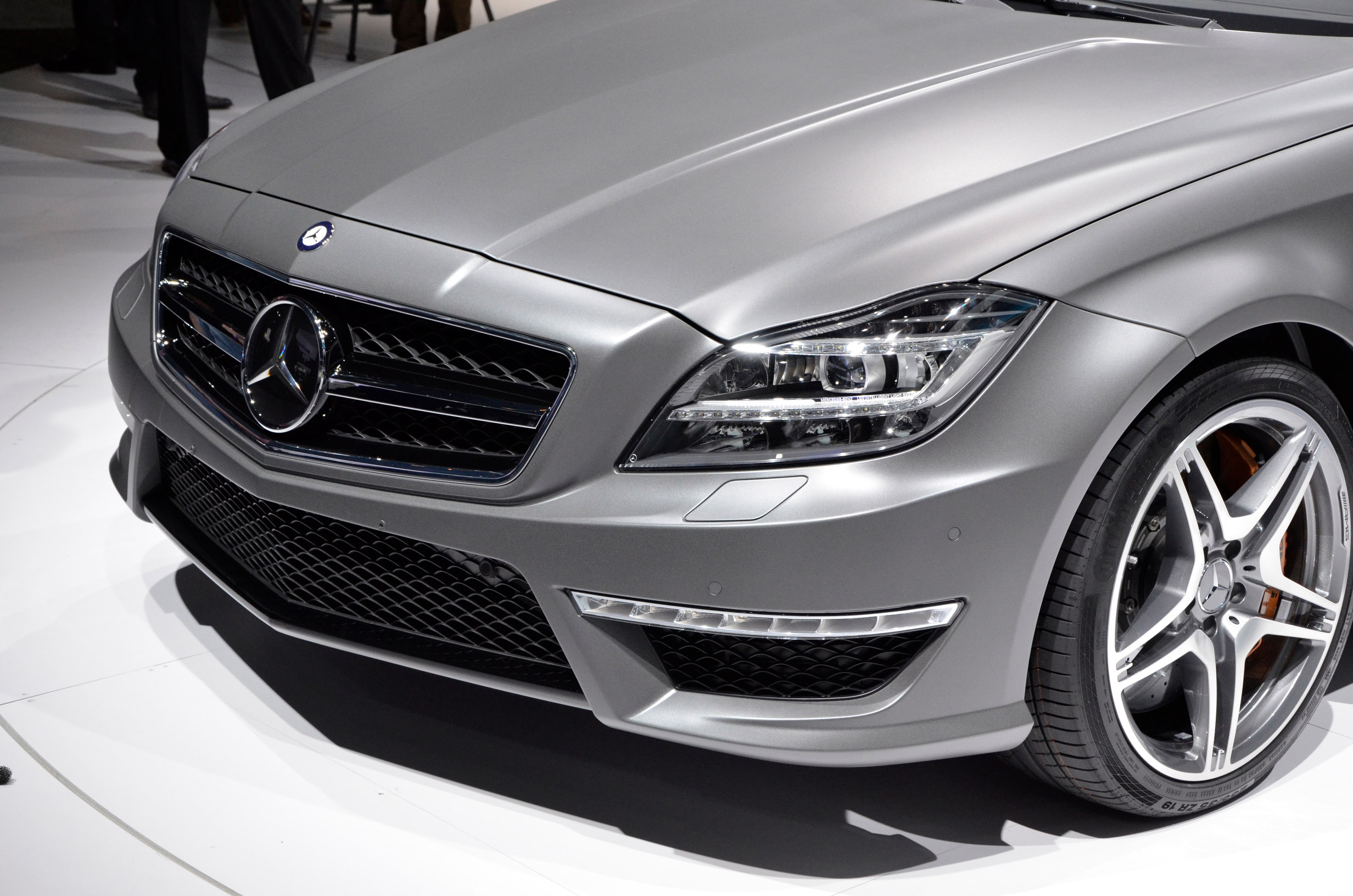 Mercedes cls 63 amg price 2010 for Mercedes benz cls63 amg price
