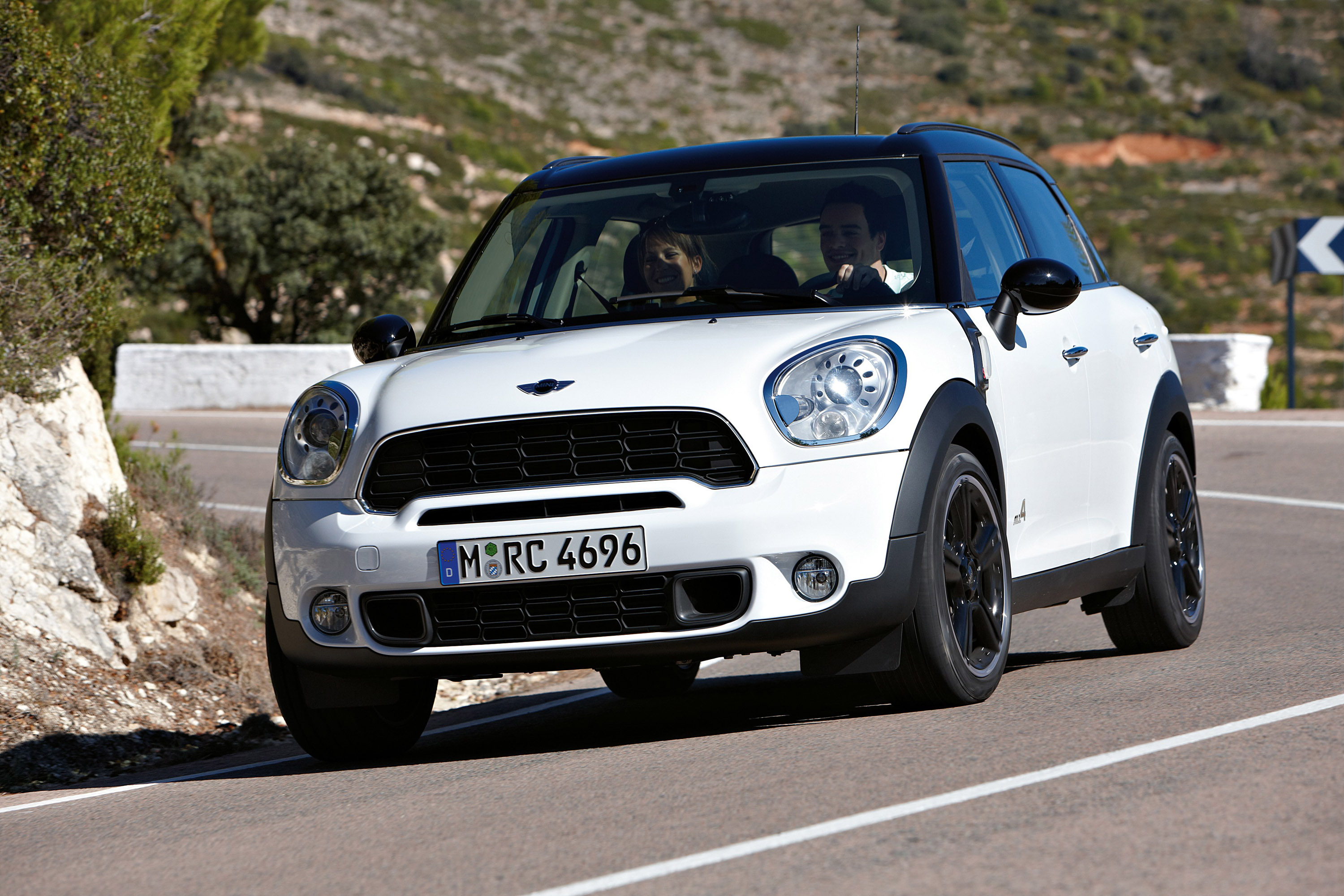 mini countryman 39 s price details revealed. Black Bedroom Furniture Sets. Home Design Ideas