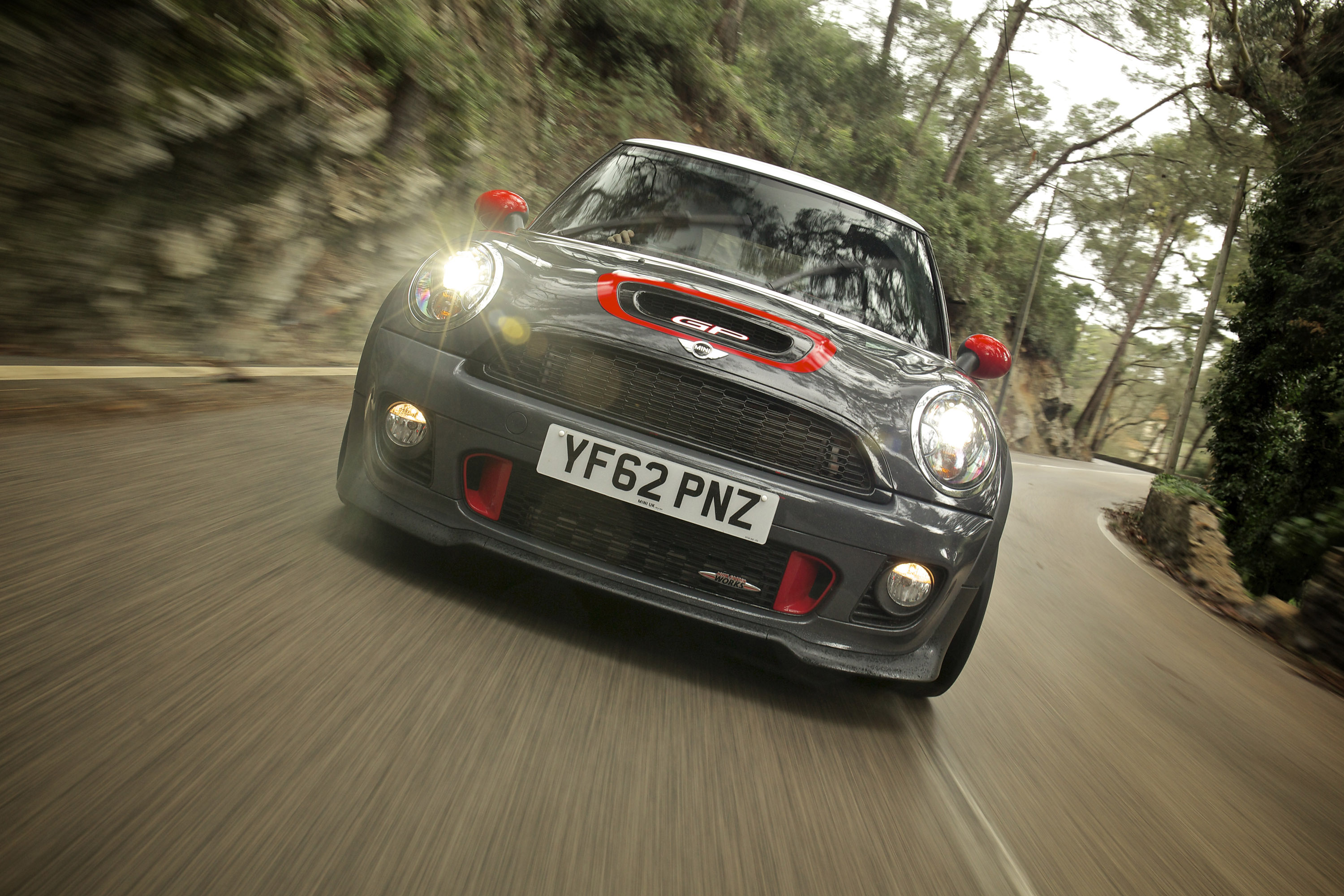 mini john cooper works gp and countryman with updated performance. Black Bedroom Furniture Sets. Home Design Ideas