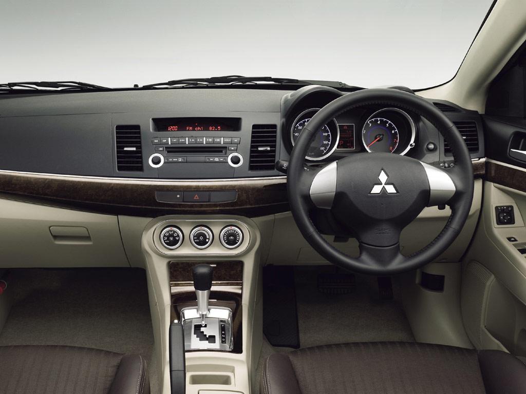 Mitsubishi Galant Fortis - Picture 553