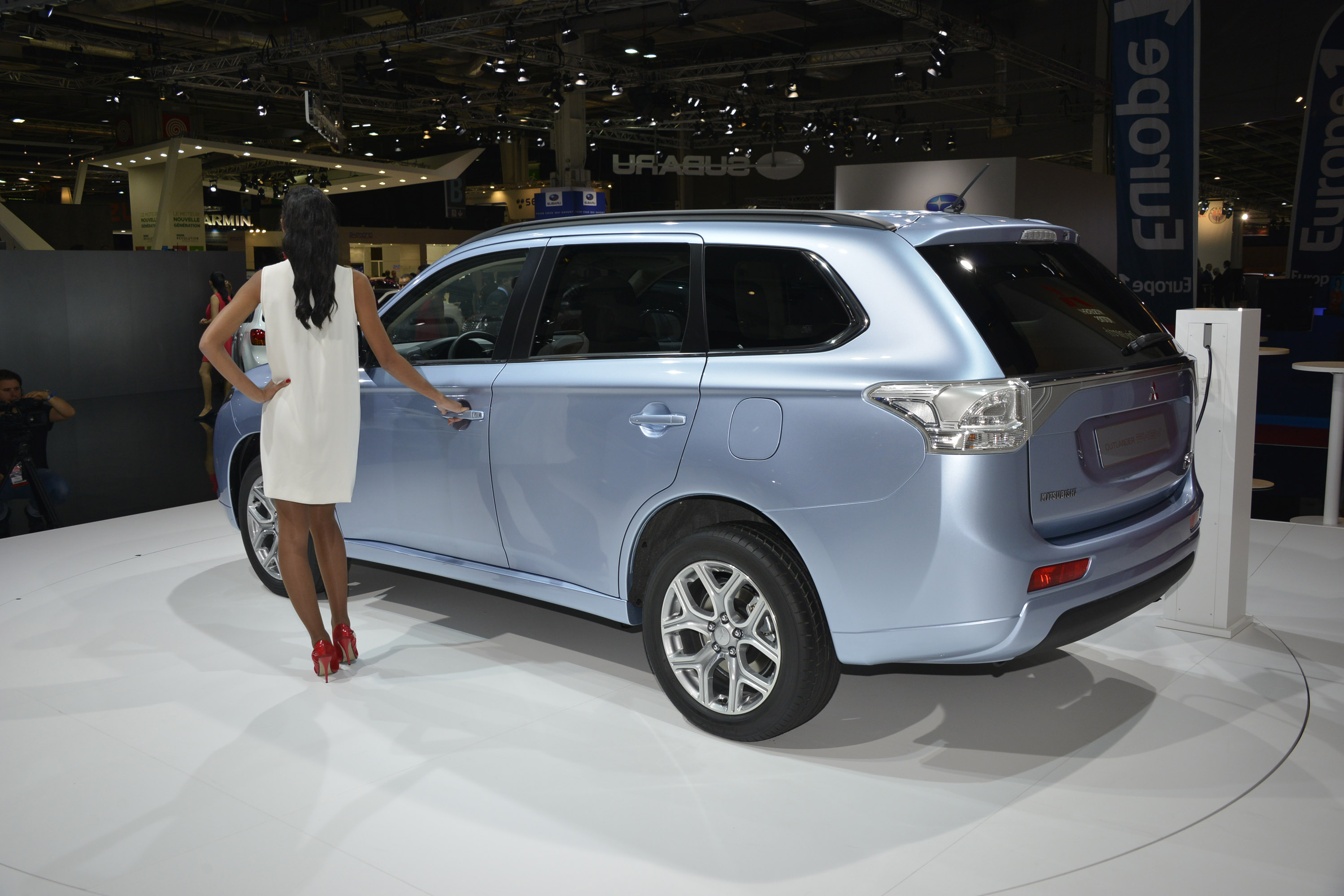 Mitsubishi Outlander Phev Paris 2012 Picture 75157