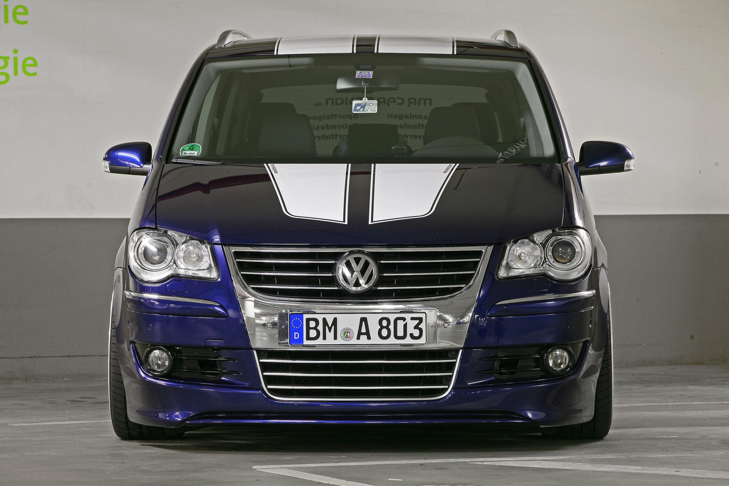 mr car design shows sporty refined vw touran. Black Bedroom Furniture Sets. Home Design Ideas