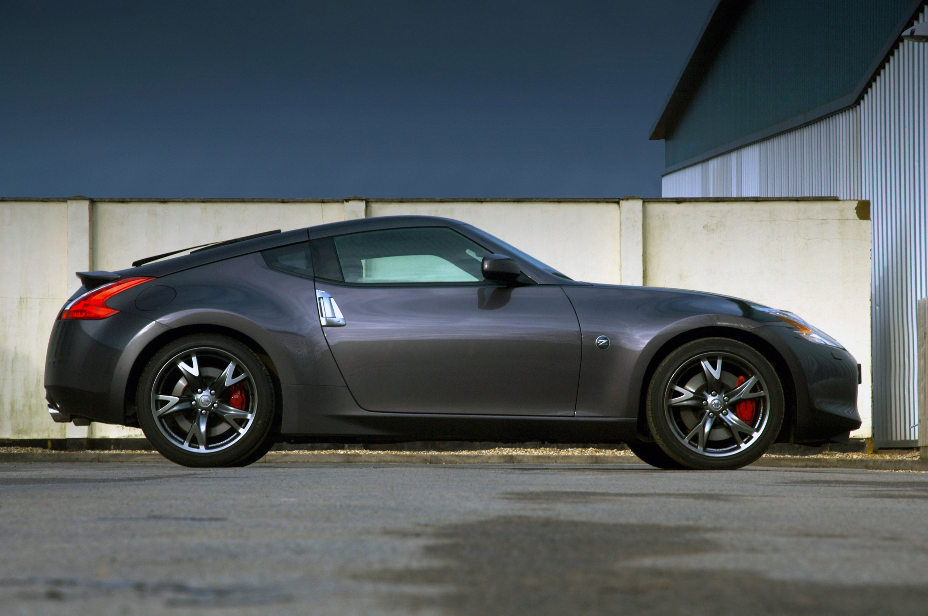 Nissan unwrapped a 370Z 40th Anniversary Black Edition for Europe
