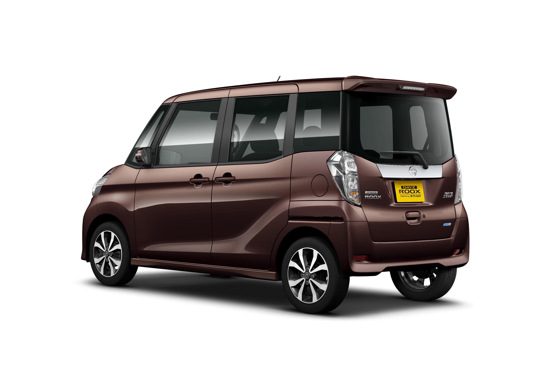 Nissan Unveils DAYZ ROOX And DAYZ ROOX Highway STAR