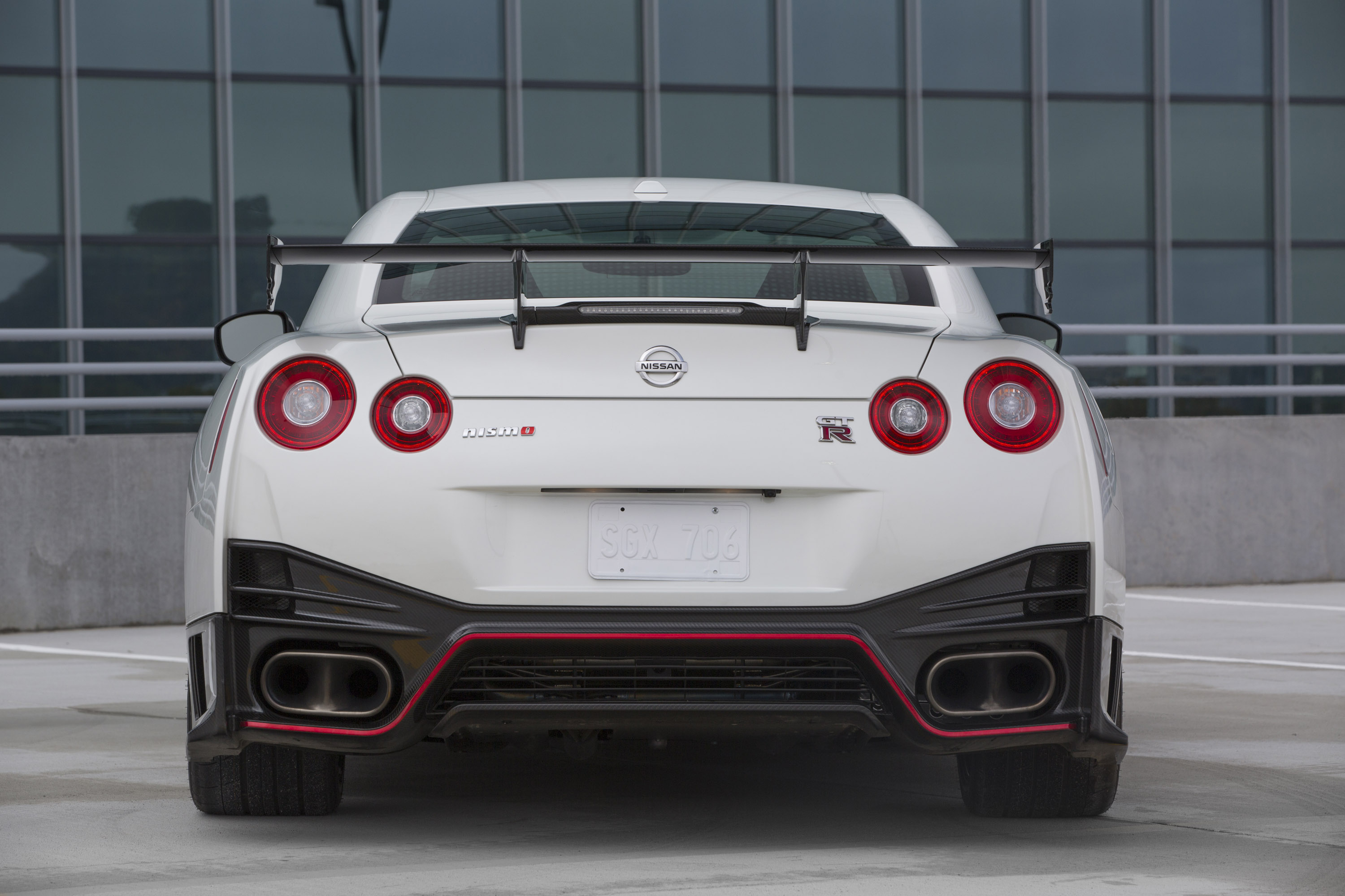 2015 Gt R Nismo And 370z Nismo Safety Car On Display At