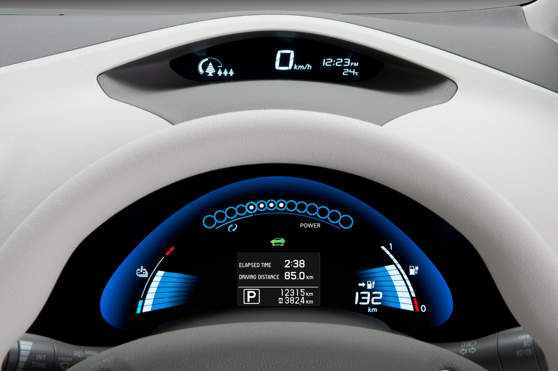 Nissan leaf 5 stars rating from euro ncap video nissan leaf vanachro Choice Image