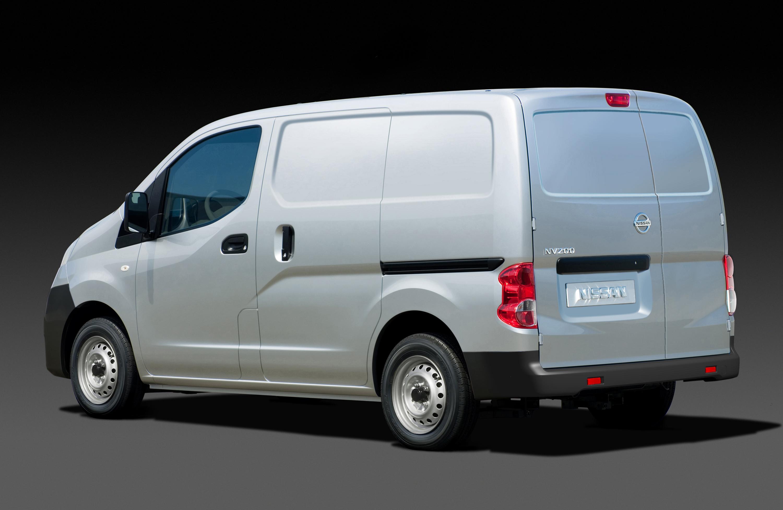 nv200 nissan s new global van makes european debut at barcelona motor show. Black Bedroom Furniture Sets. Home Design Ideas