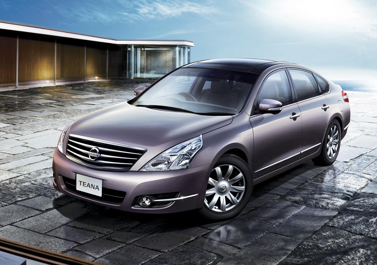 nissan launches new teana luxury sedan