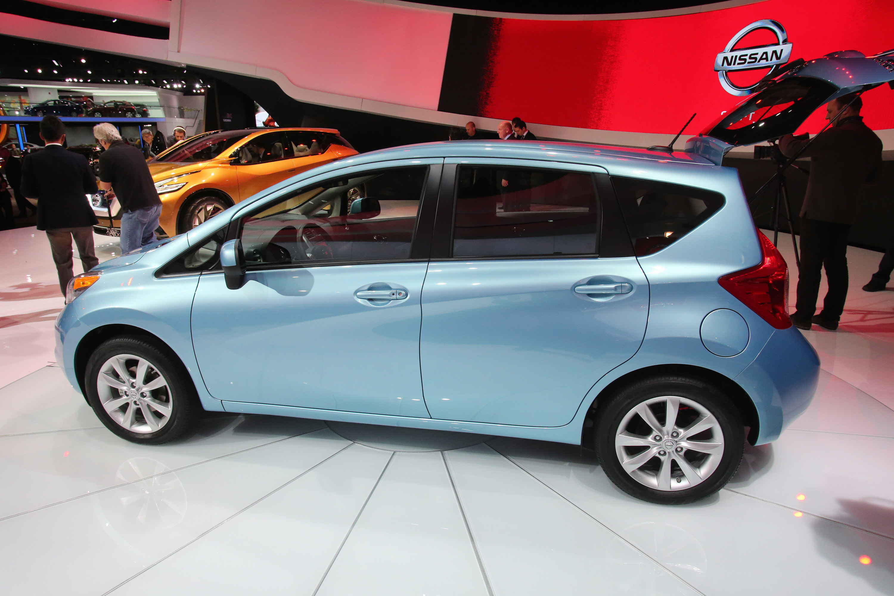 new nissan note 2013 car specs price image gallery video html autos weblog. Black Bedroom Furniture Sets. Home Design Ideas