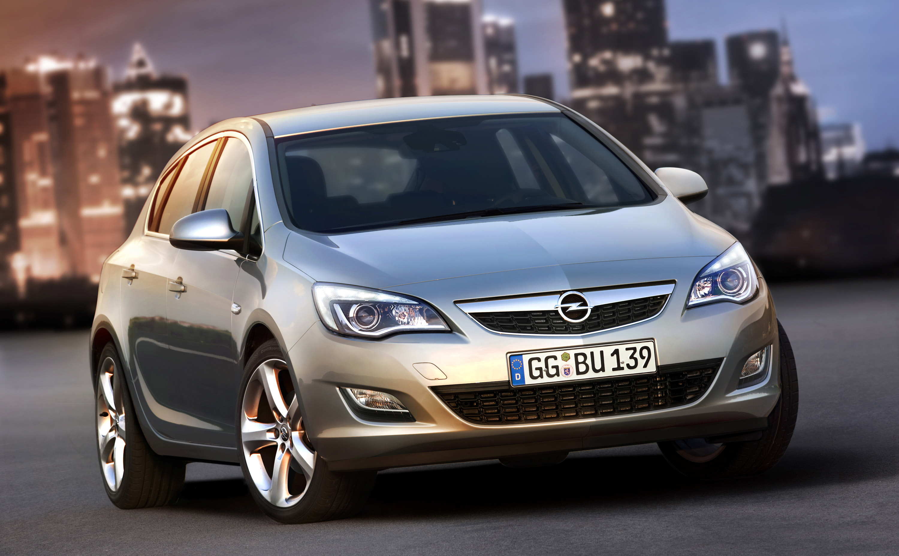 2010 Opel Astra Photo