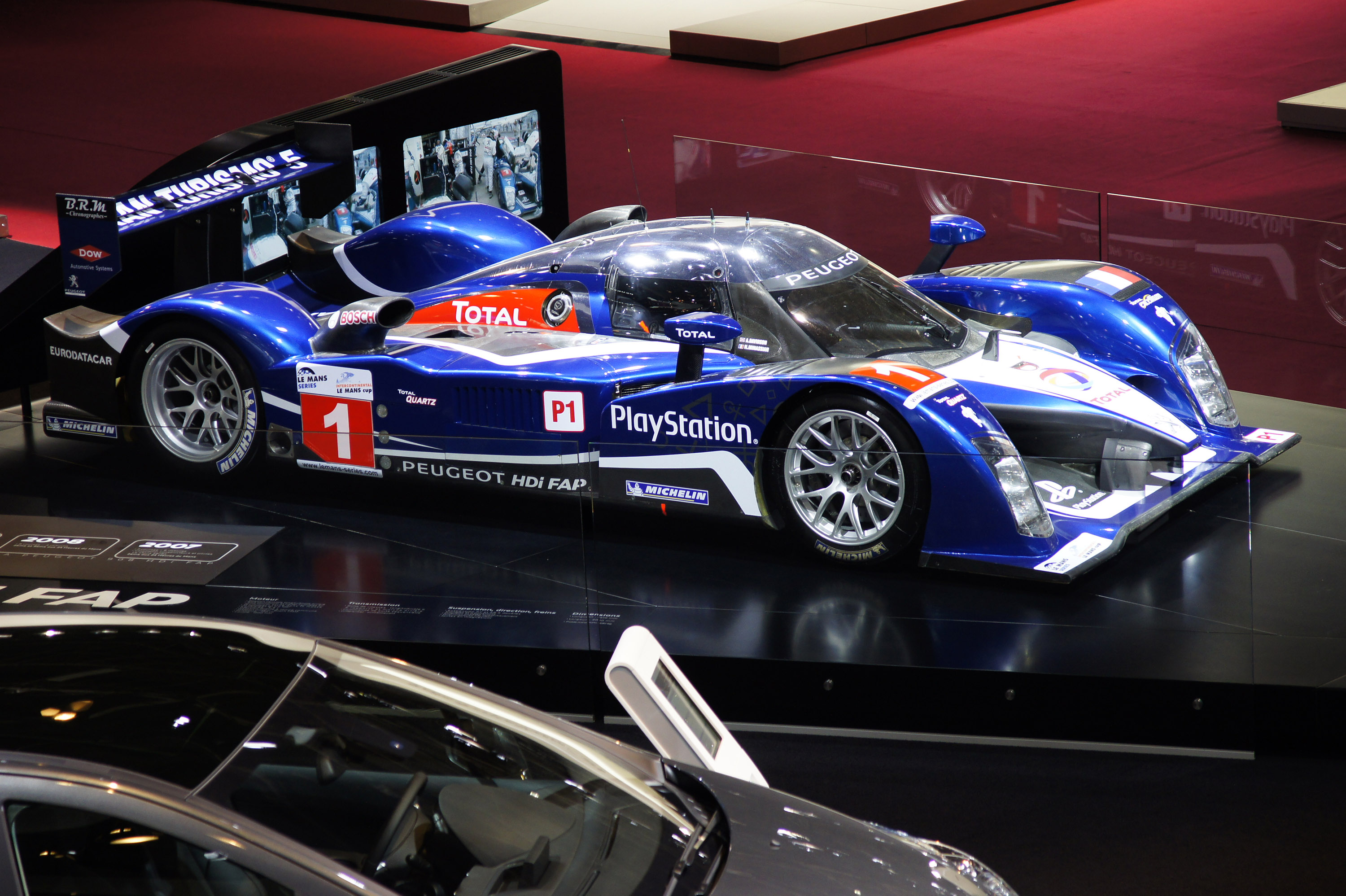 Peugeot 908 HDi FAP Paris 2010 - Picture 43311