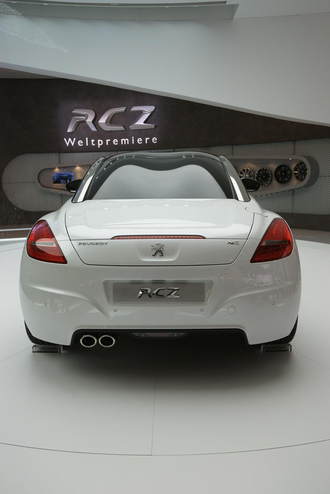 19 septembre 2009 Peugeot-rcz-frankfurt-2009-03